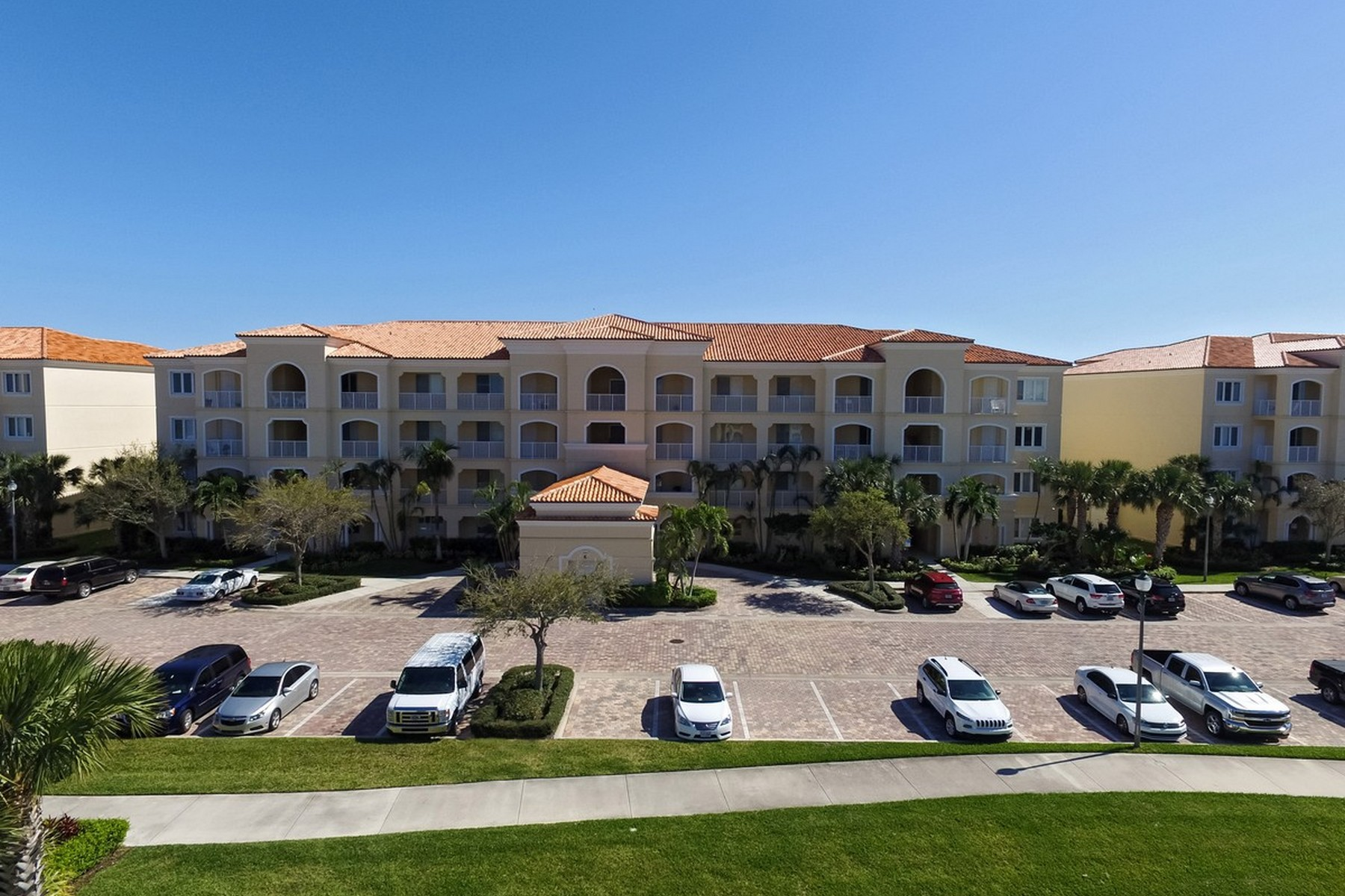 Condominium for Sale at Harbour Isle, Beachside Florida Resort Living 6 Harbour Isle Drive #306 Fort Pierce, Florida 34949 United States