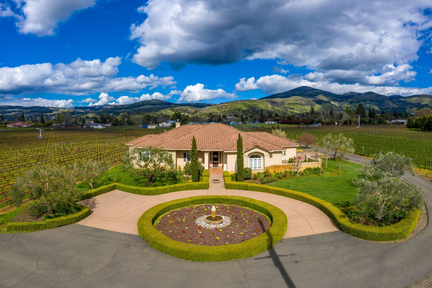 Single Family Homes for Sale at Seclusion and Convenience 1291 Monticello Rd Napa, California 94558 United States