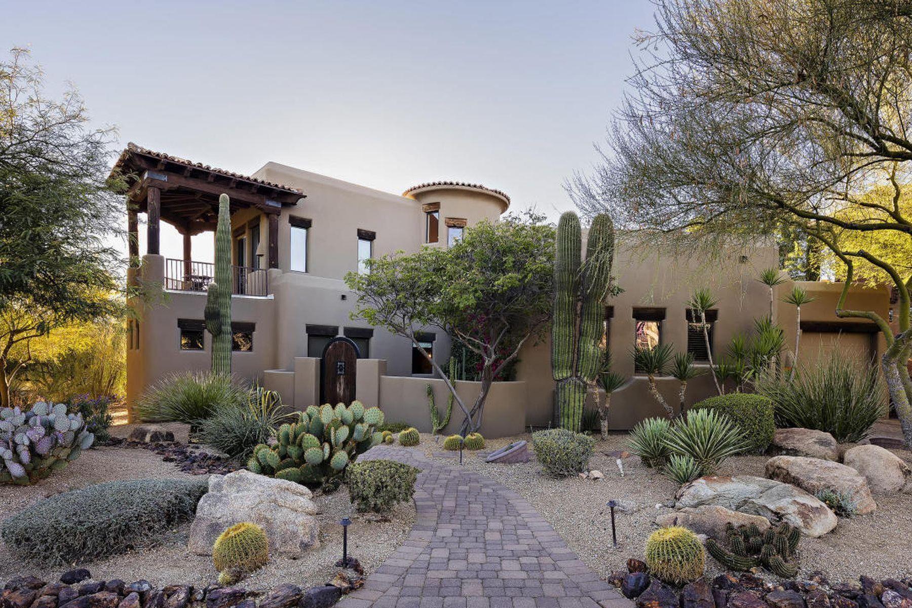 Maison unifamiliale pour l Vente à Warm and charming, Spanish-style home 29308 N 108TH PL, Scottsdale, Arizona, 85262 États-Unis