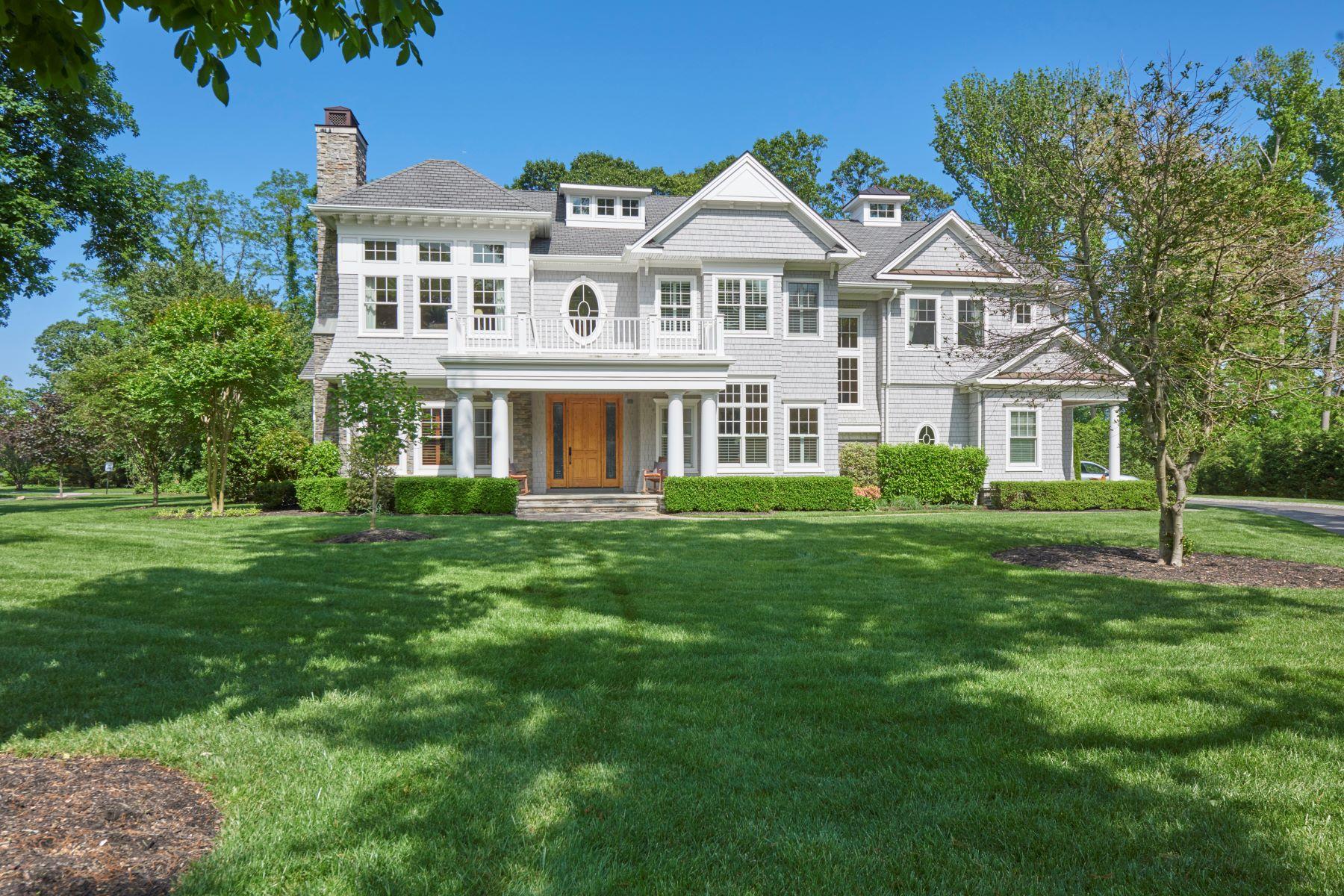 Maison unifamiliale pour l Vente à Classic Seashore Colonial 35 Navesink Ave, Rumson, New Jersey 07760 États-Unis