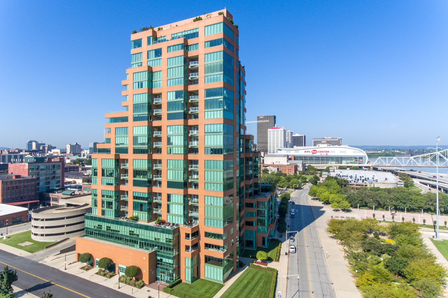 Condominiums for Sale at 222 E Witherspoon St. #2000 Louisville, Kentucky 40202 United States