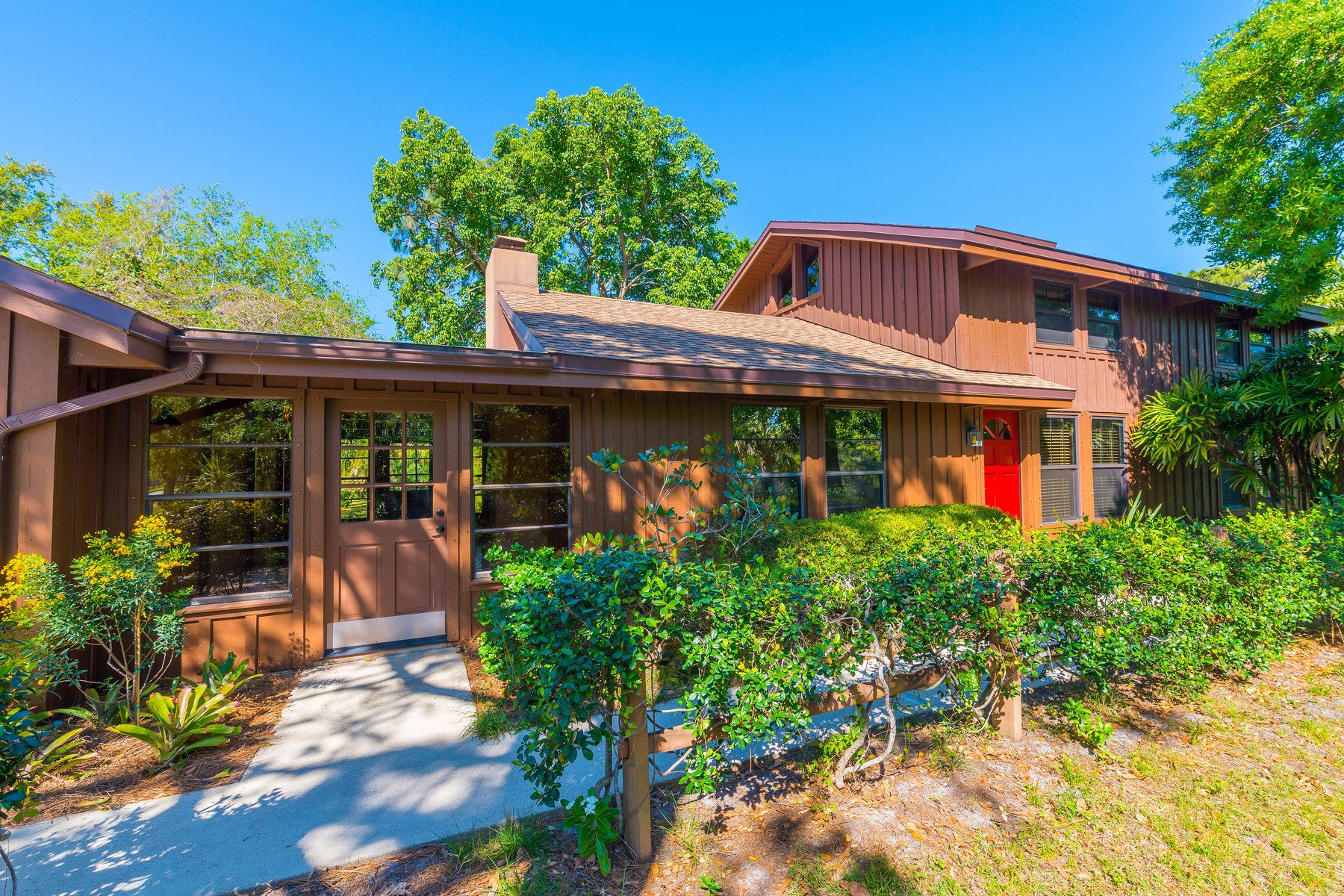 Single Family Home for Sale at Lovely Lakefront Cedar Home 316 N Lakeside Drive Melbourne, Florida 32901 United States
