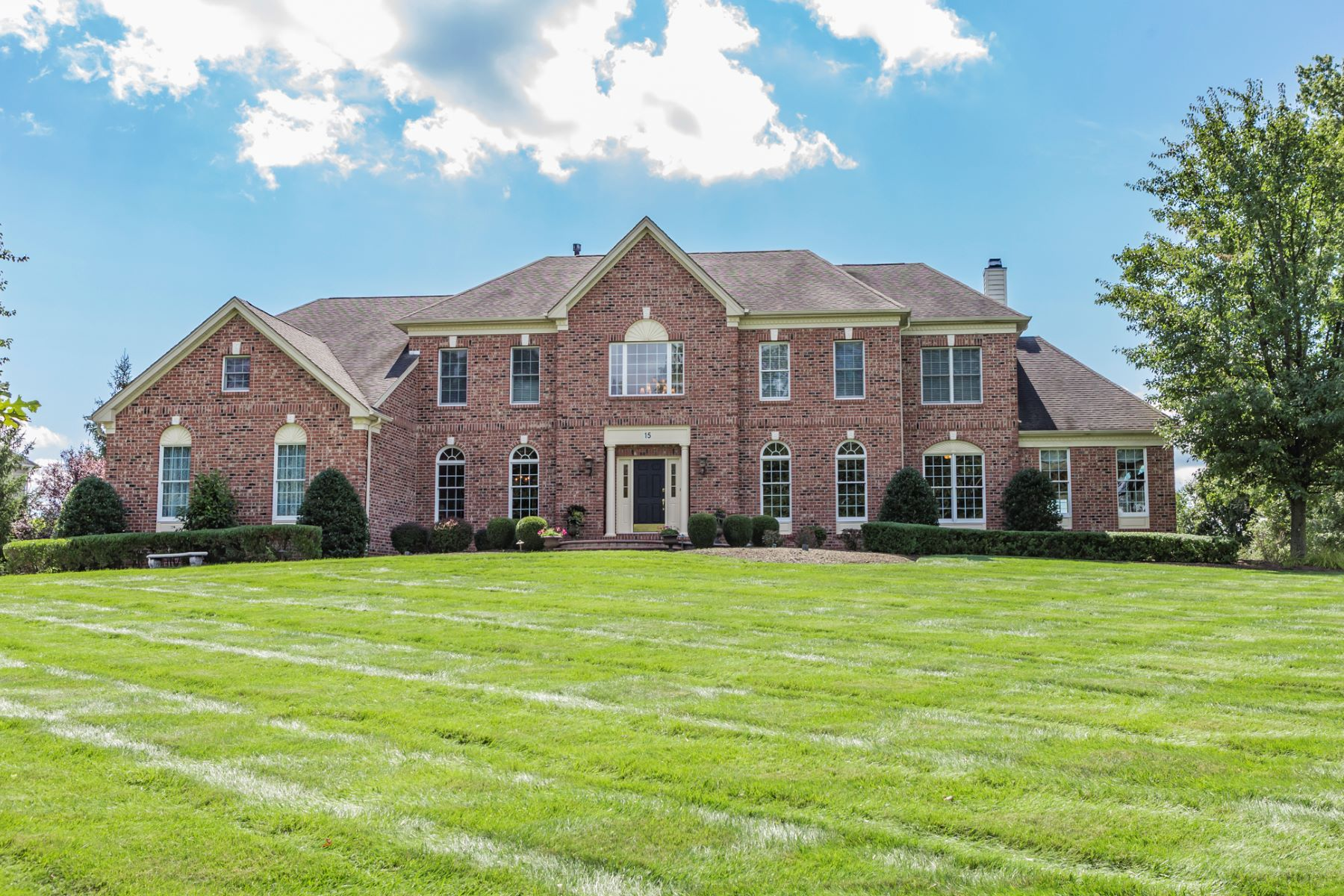 Casa Unifamiliar por un Venta en A Dream House Realized - Hopewell Township 15 Baker Way Pennington, Nueva Jersey 08534 Estados UnidosEn/Alrededor: Hopewell Township