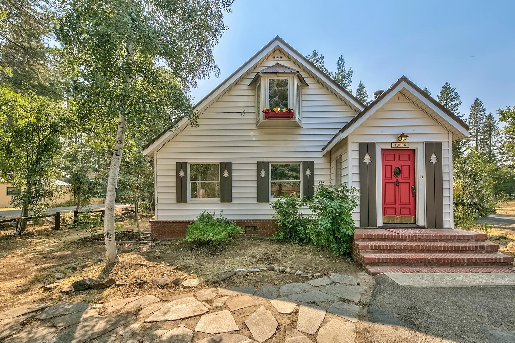 独户住宅 为 销售 在 10056 Sierra Avenue, Truckee CA 96161 10056 Sierra Avenue 特拉基, 加利福尼亚州 96161 美国