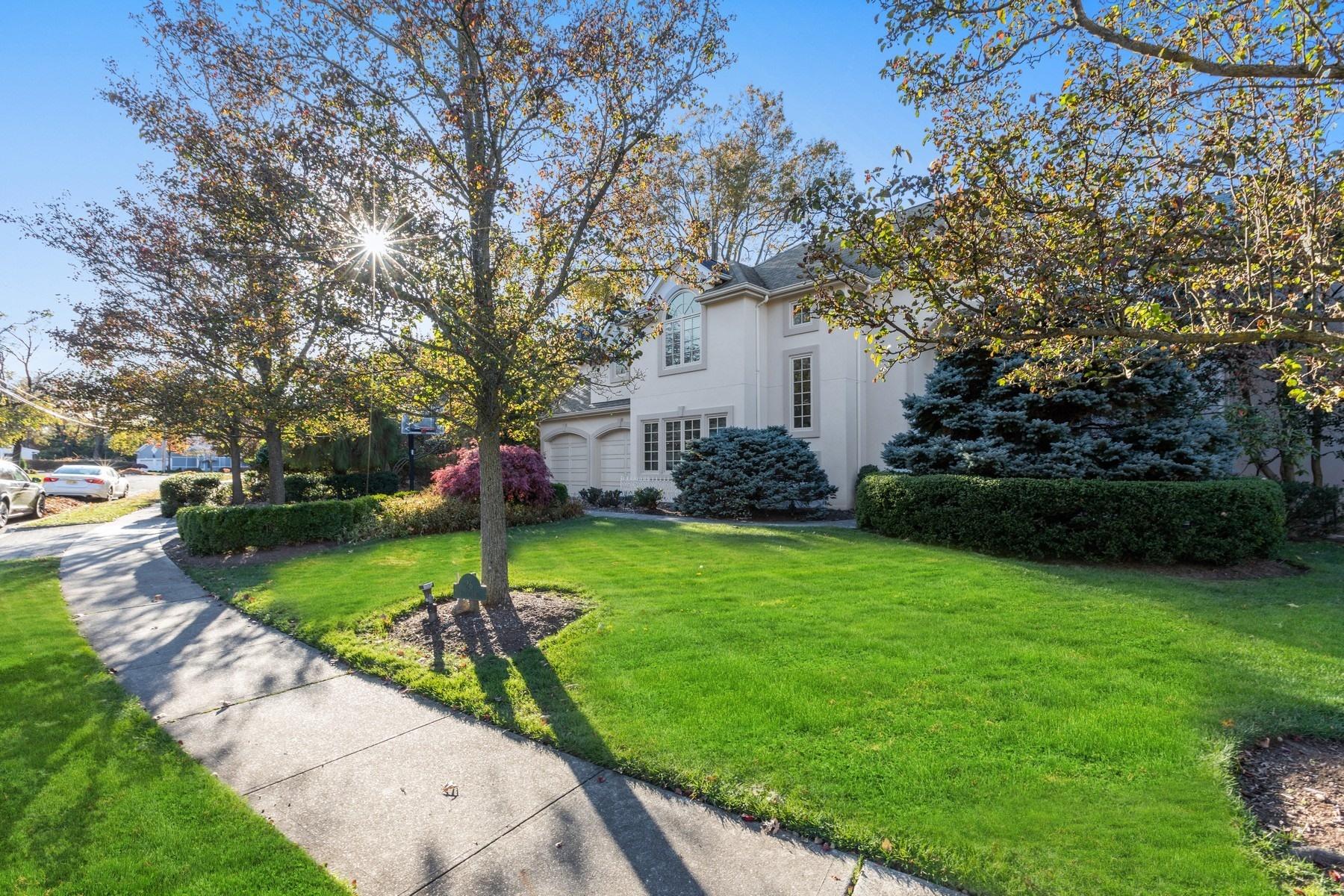Single Family Homes pour l Vente à East Hill 26 Patton Lane, Closter, New Jersey 07624 États-Unis