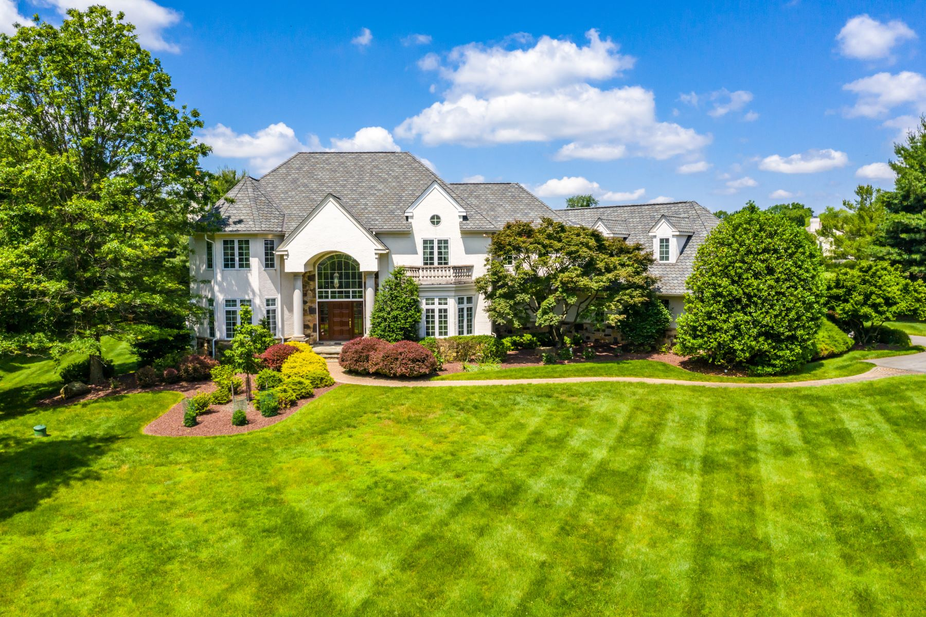 Single Family Homes for Sale at 140 Harvey Rd., West Chester, PA 19382 140 Harvey Rd. West Chester, Pennsylvania 19382 United States