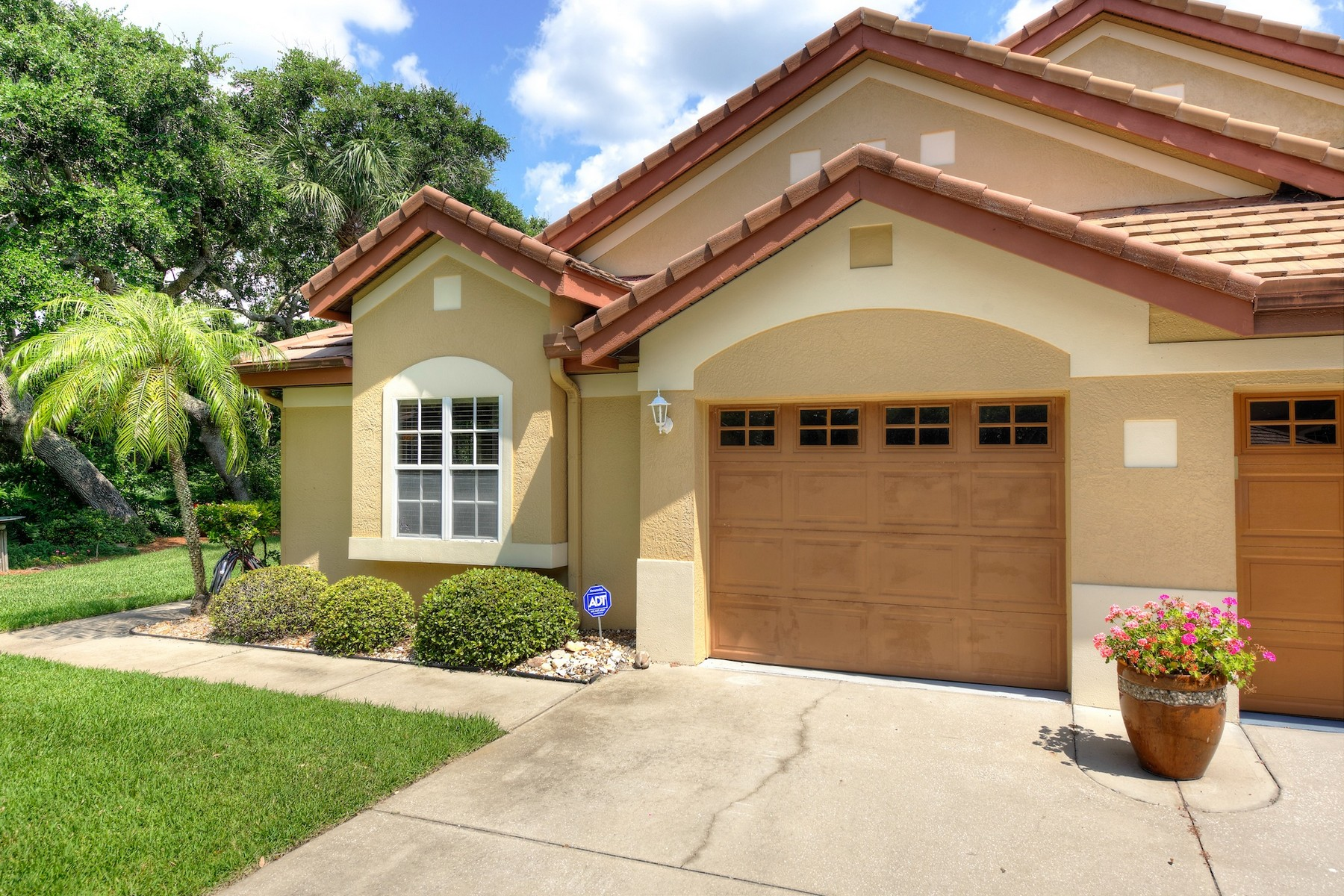 Single Family Home for Sale at St. Andrews Village 128 Caledonia Drive Melbourne Beach, Florida 32951 United States