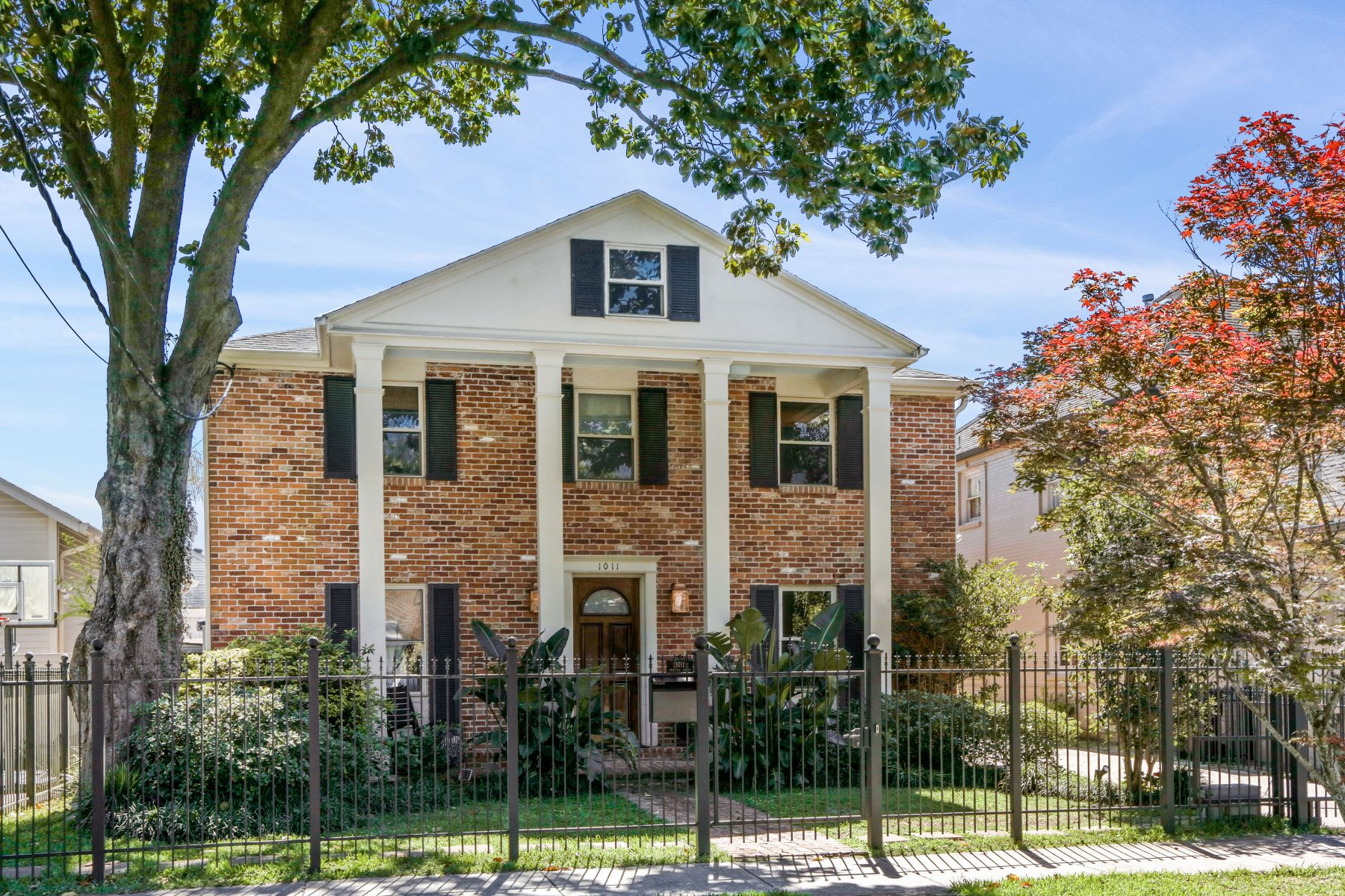 Single Family Homes for Active at 1011 Nashville Avenue New Orleans, Louisiana 70115 United States