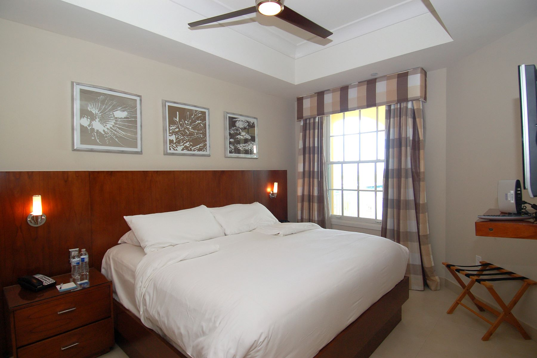 Additional photo for property listing at Blue Haven Resort ~ Suite 413.414 Leeward Marina Resort, Leeward, 普罗维登夏 特克斯和凯科斯群岛