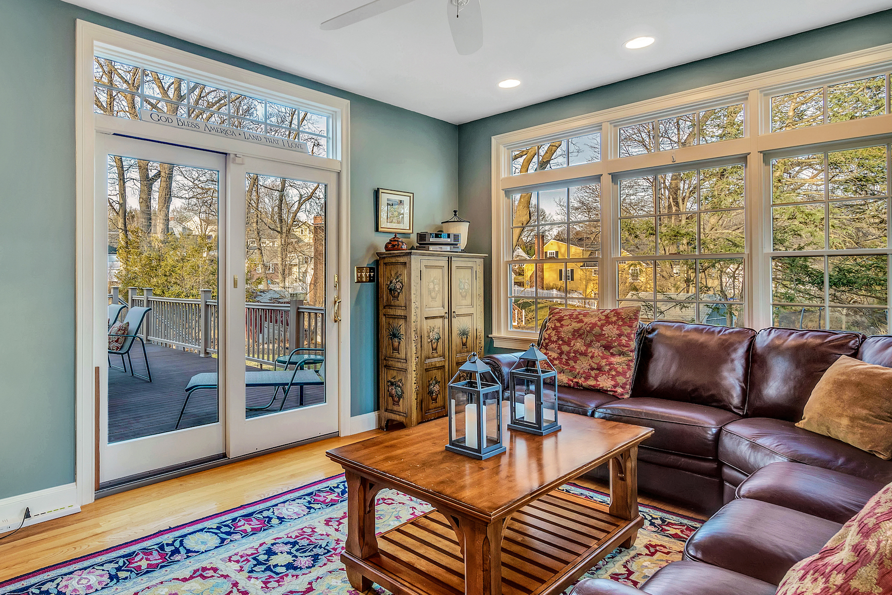 Additional photo for property listing at Renovated Cape in East Hill neighborhood 4 Alden Lane Winchester, Massachusetts 01890 United States