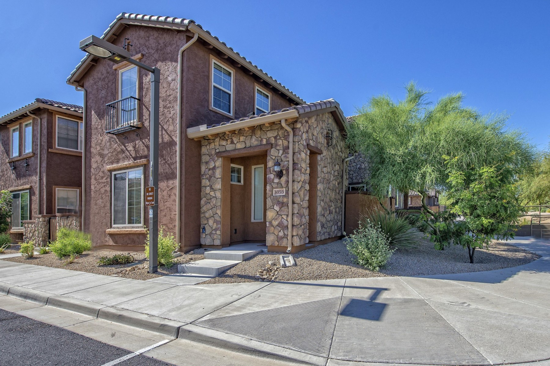 Townhouse for Sale at Exquisite townhouse in Fireside at Desert Ridge 3855 E CAT BALUE DR E Phoenix, Arizona, 85050 United States