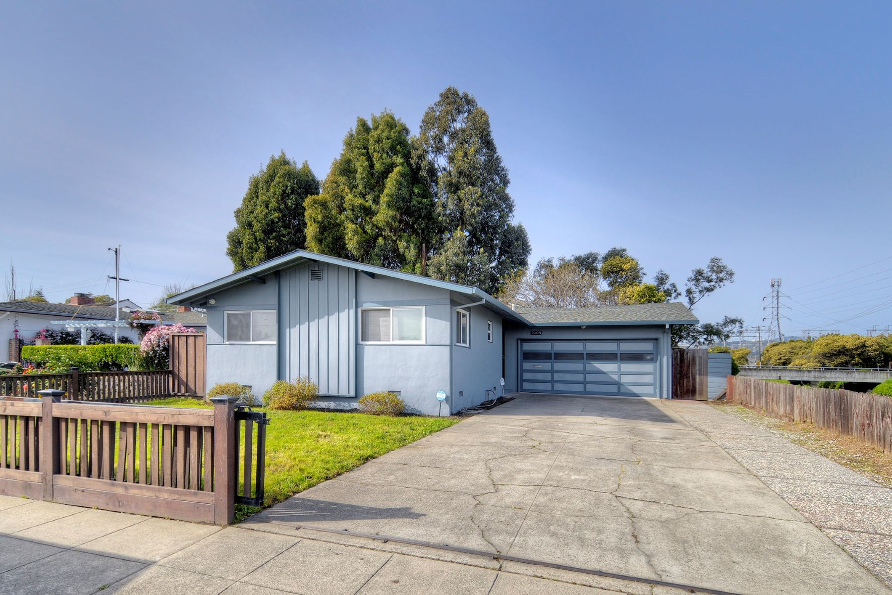 Single Family Home for Active at Spacious Lagoon Living 2108 S Norfolk Street San Mateo, California 94403 United States