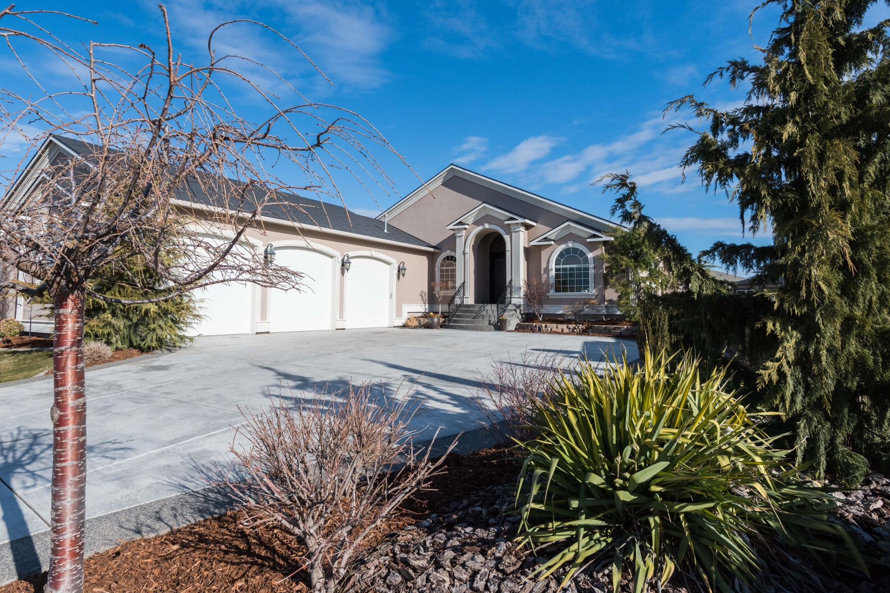 Single Family Home for Sale at Captivating Custom Home in Horn Rapids 3016 Riverbend Drive Richland, Washington 99354 United States