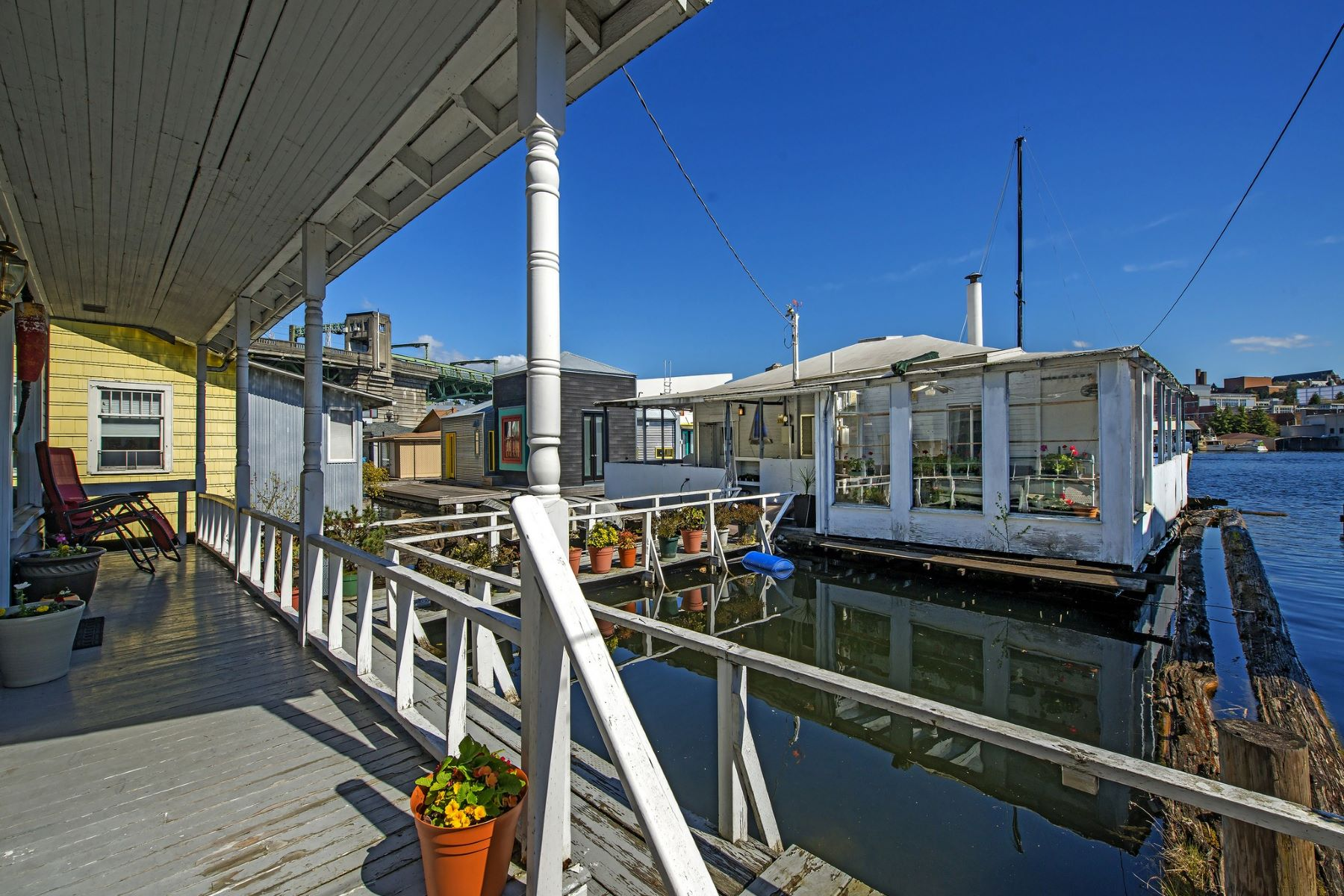 Single Family Home for Sale at Portage Bay Houseboat and Cottage 3240 Portage Bay Place E Seattle, Washington 98102 United States