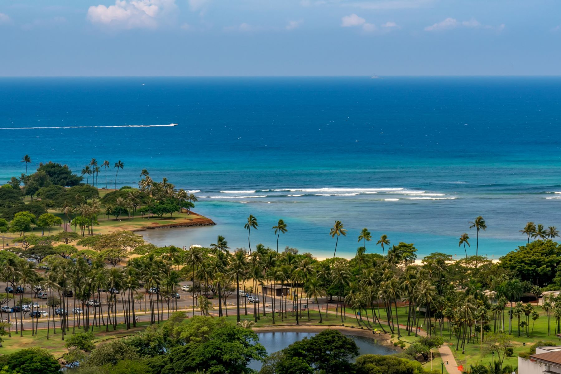 Additional photo for property listing at Stunning Five-Star Penthouse 1555 Kapiolani Boulevard #PH 2206 Honolulu, Hawaii 96814 United States