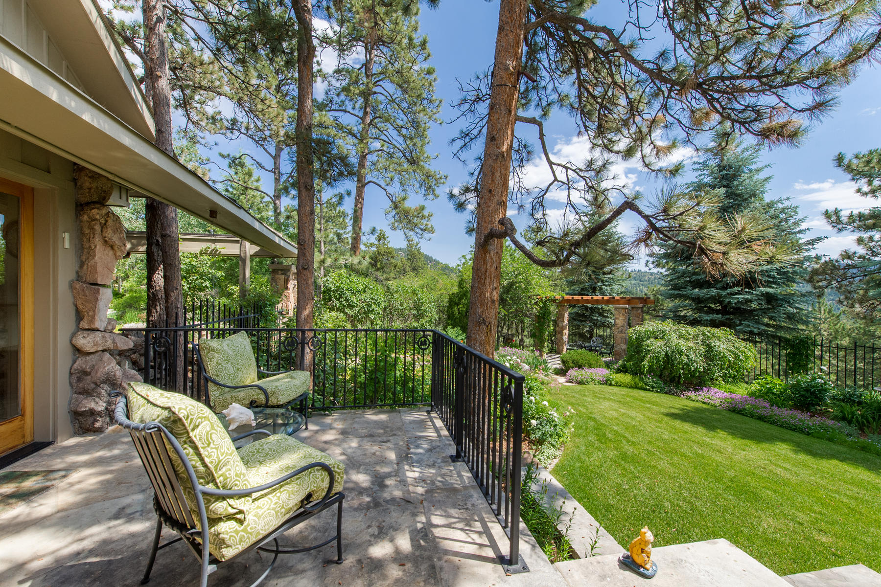 Additional photo for property listing at Tranquil Estate & Equestrian Property 7321 Flagstaff Rd Boulder, Colorado 80302 United States