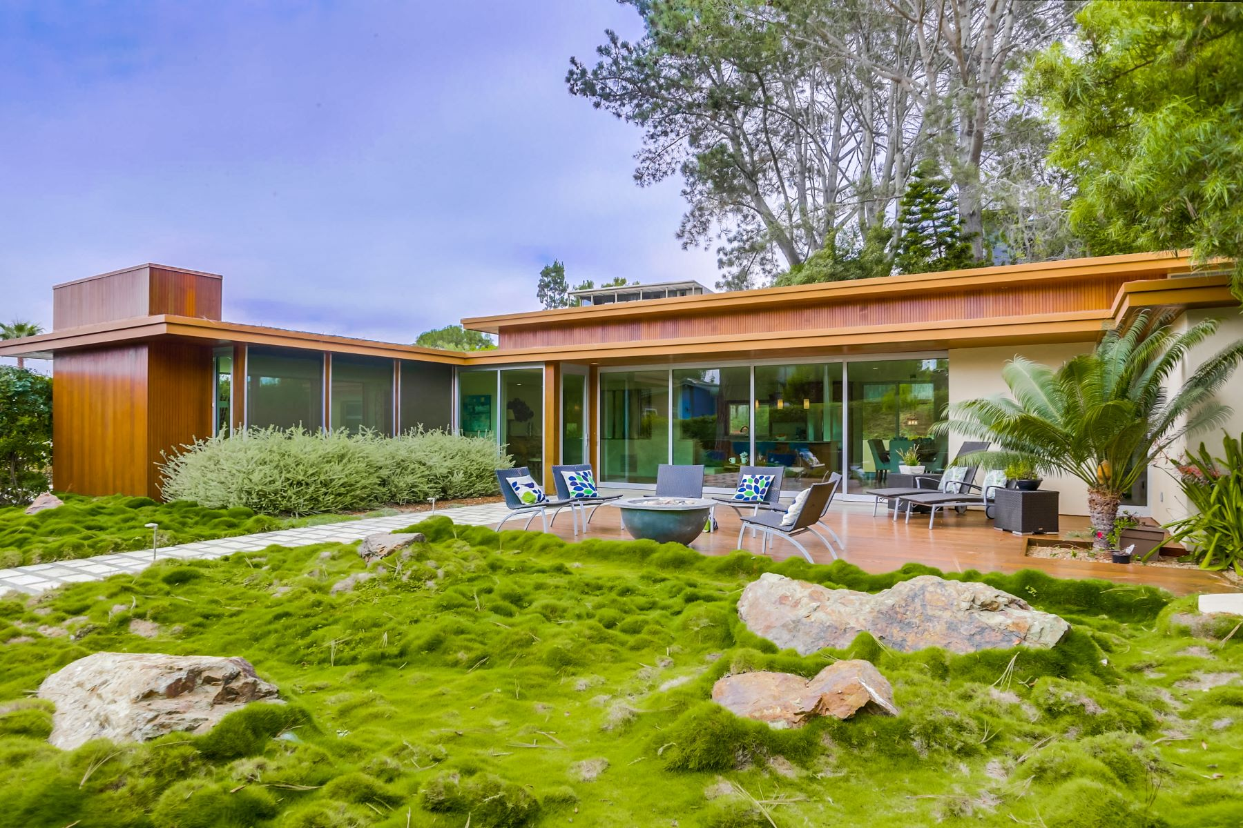 Single Family Home for Active at 560 Orchid Lane 560 Orchid Lane Del Mar, California 92014 United States
