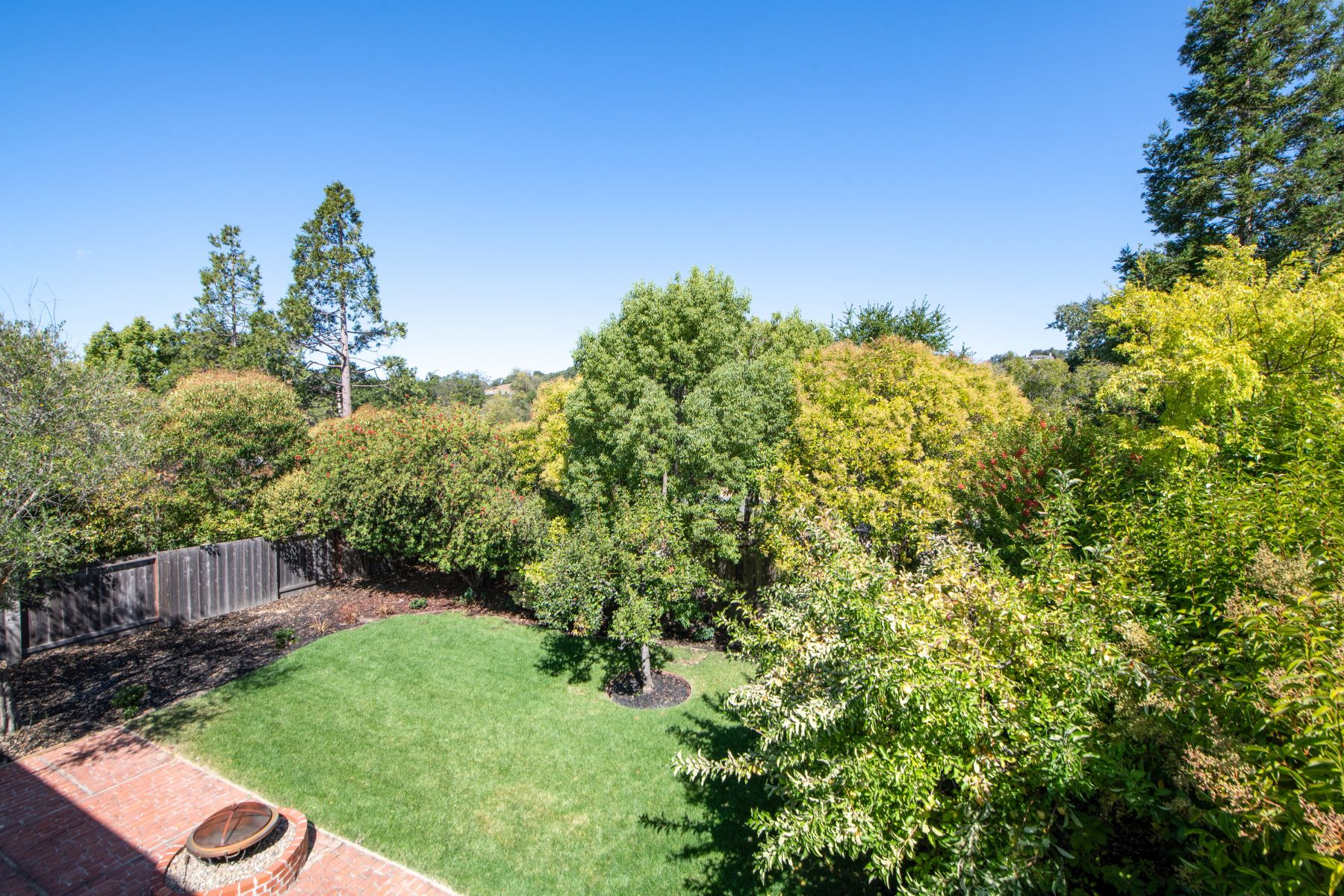Additional photo for property listing at Novato Country Club Charmer 360 Marin Oaks Drive Novato, California 94949 United States