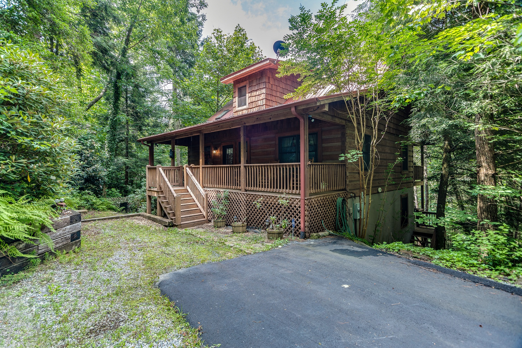 Single Family Homes for Active at 80 Red Cedar Court Sapphire, North Carolina 28774 United States