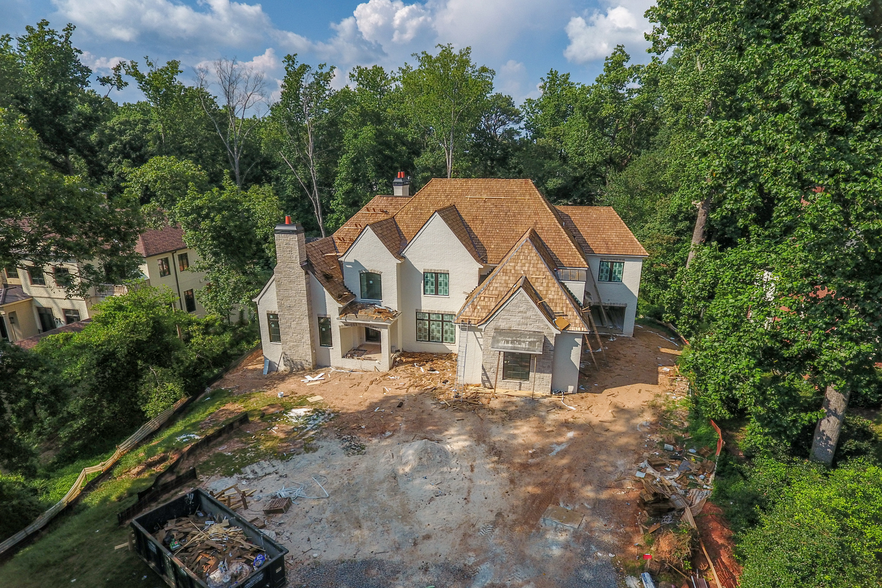 Moradia para Venda às Stunning New Build Near Chastain Park 4891 Powers Ferry Road Sandy Springs, Geórgia, 30327 Estados Unidos