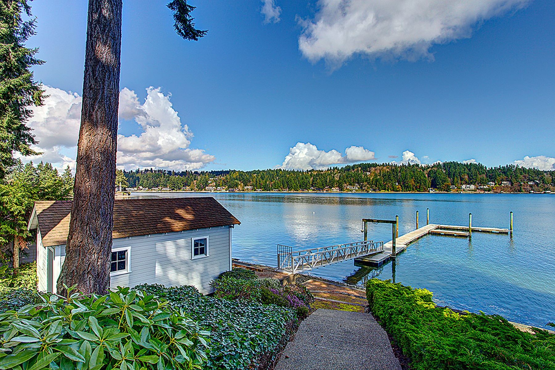 Single Family Home for Sale at Wollochet Bay 2129 50th Ave NW Gig Harbor, Washington 98332 United States