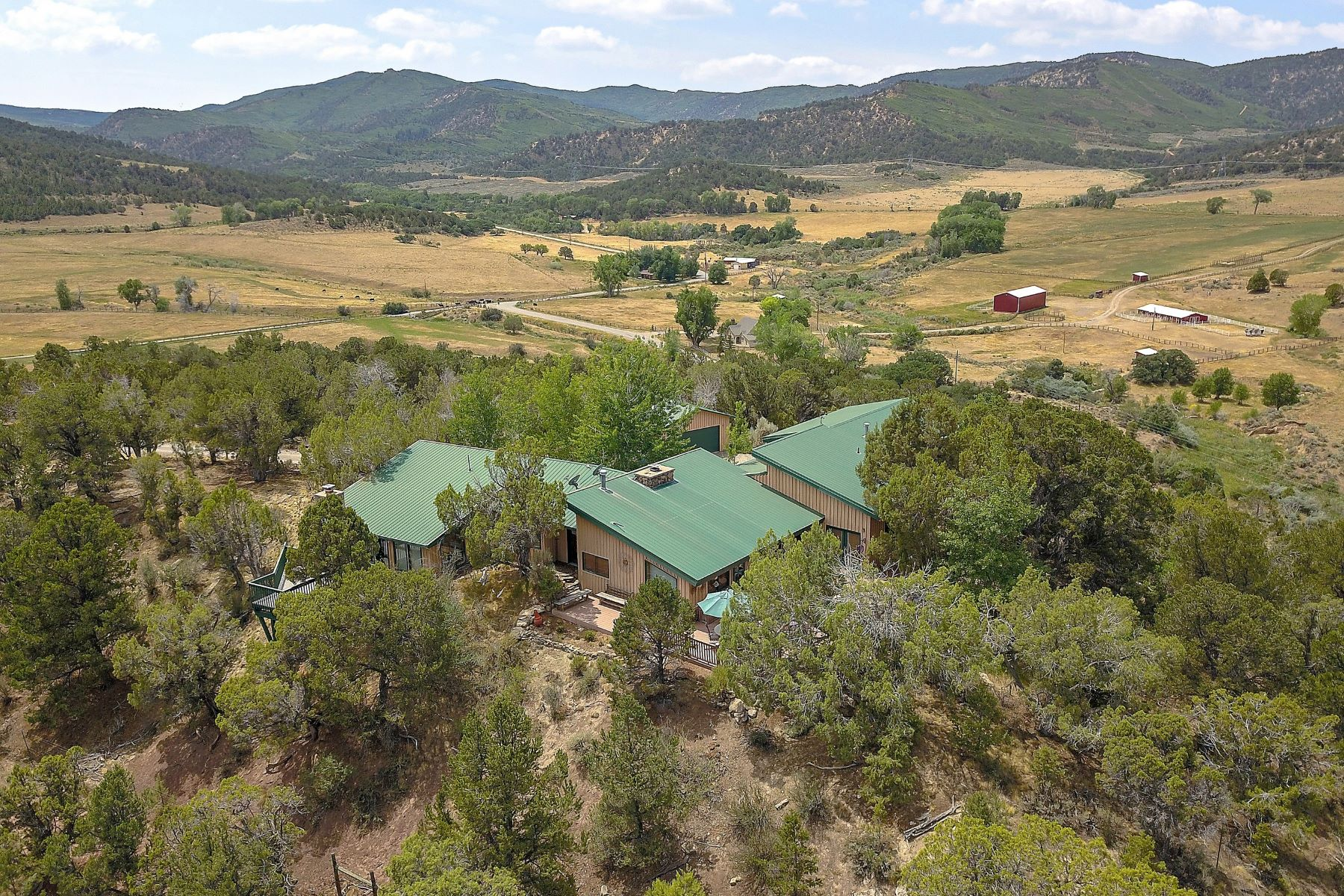 Casa Unifamiliar por un Venta en Divide Creek Ranch with Two Residences 4440 County Road 342 Silt, Colorado 81652 Estados Unidos