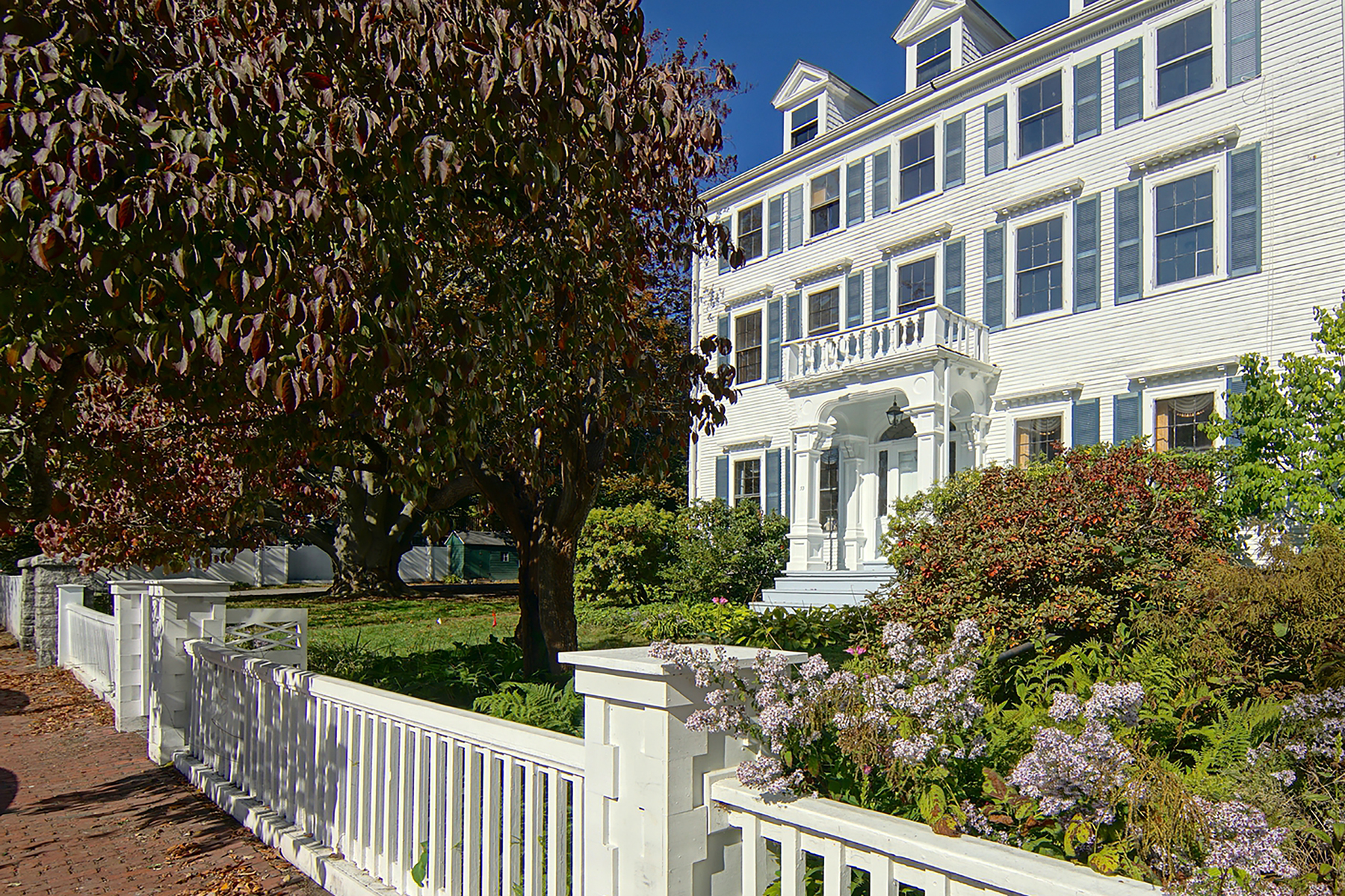 Single Family Home for Sale at Pickering-Heffenger House c. 1800 53 Austin Street Portsmouth, New Hampshire 03801 United States