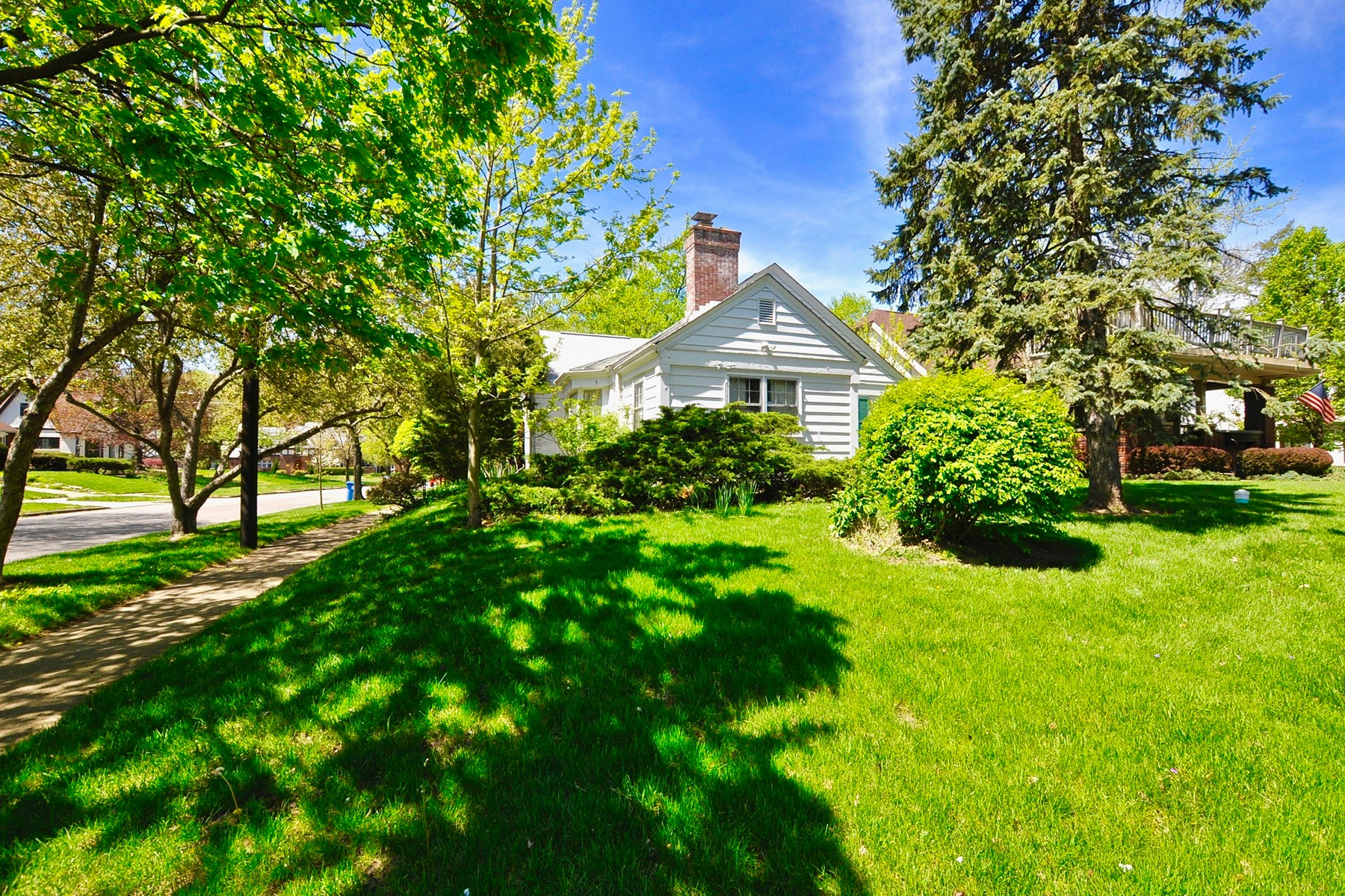 Single Family Home for Sale at Charming Broad Ripple Home 650 E 58th Street Indianapolis, Indiana 46220 United States