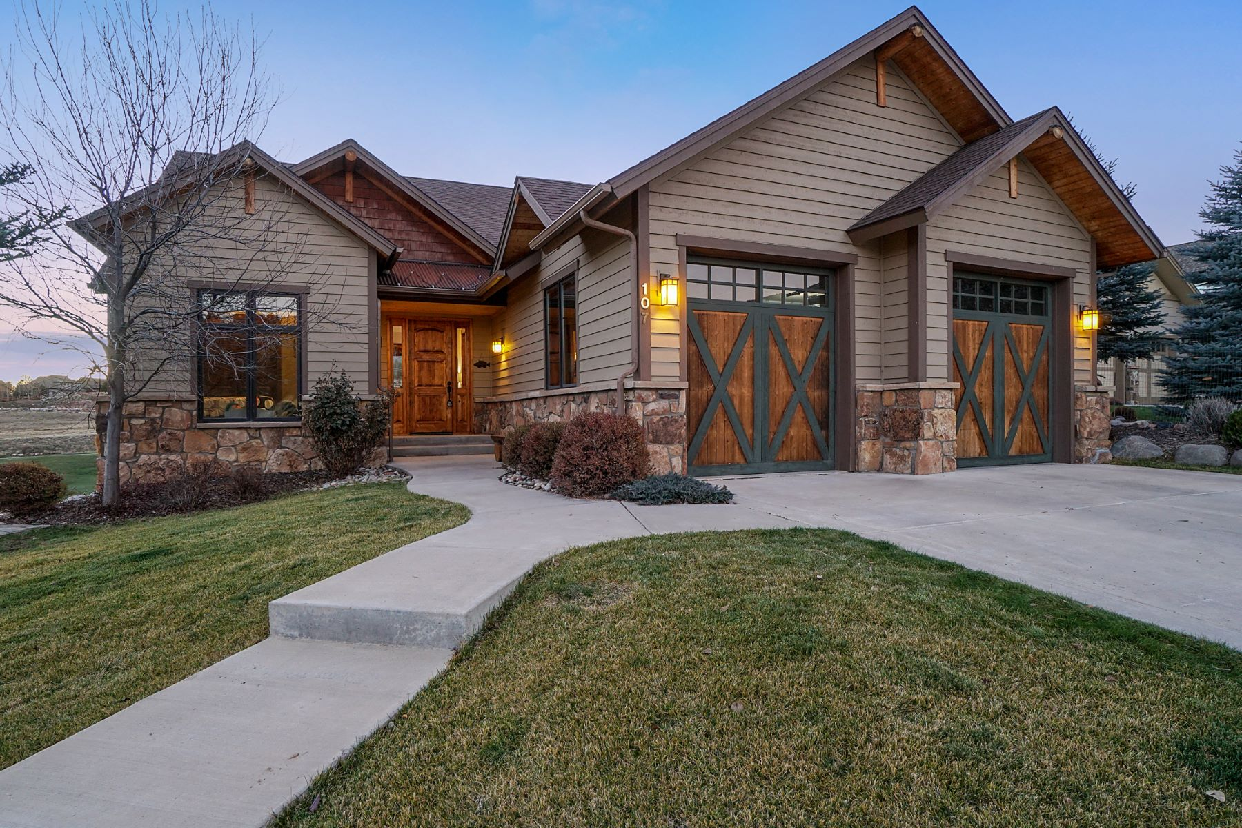 Single Family Home for Active at Extraordinary Custom Home 107 Spur Drive New Castle, Colorado 81647 United States