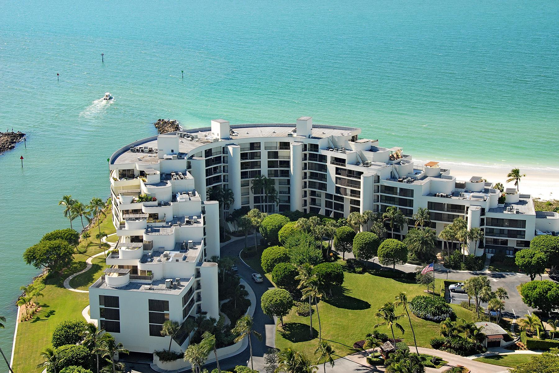 Nhà chung cư vì Bán tại MOORINGS - ADMIRALTY POINT 2386 Gulf Shore Blvd N 104 Naples, Florida 34103 Hoa Kỳ