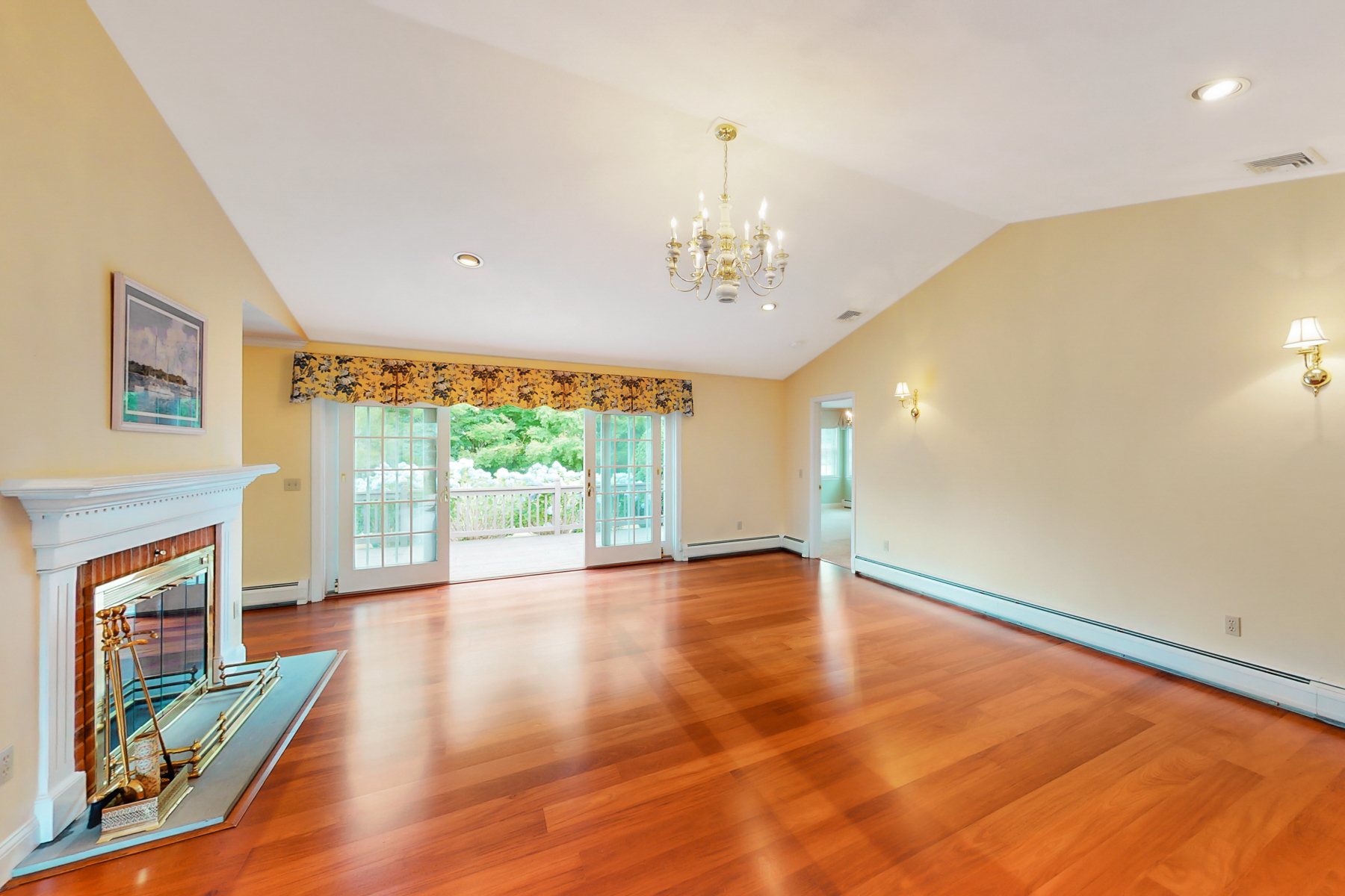 Additional photo for property listing at Single Level Condo in Quiet Community 115 Young Drive Portsmouth, Rhode Island 02871 United States