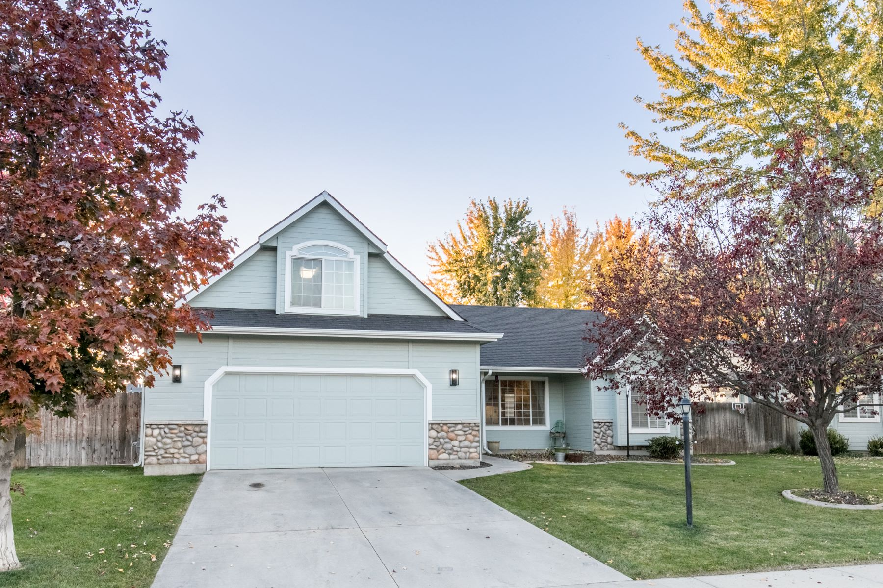 Single Family Homes for Sale at 17077 Lyonsdale Pl, Nampa 17077 N Lyonsdale Pl Nampa, Idaho 83687 United States