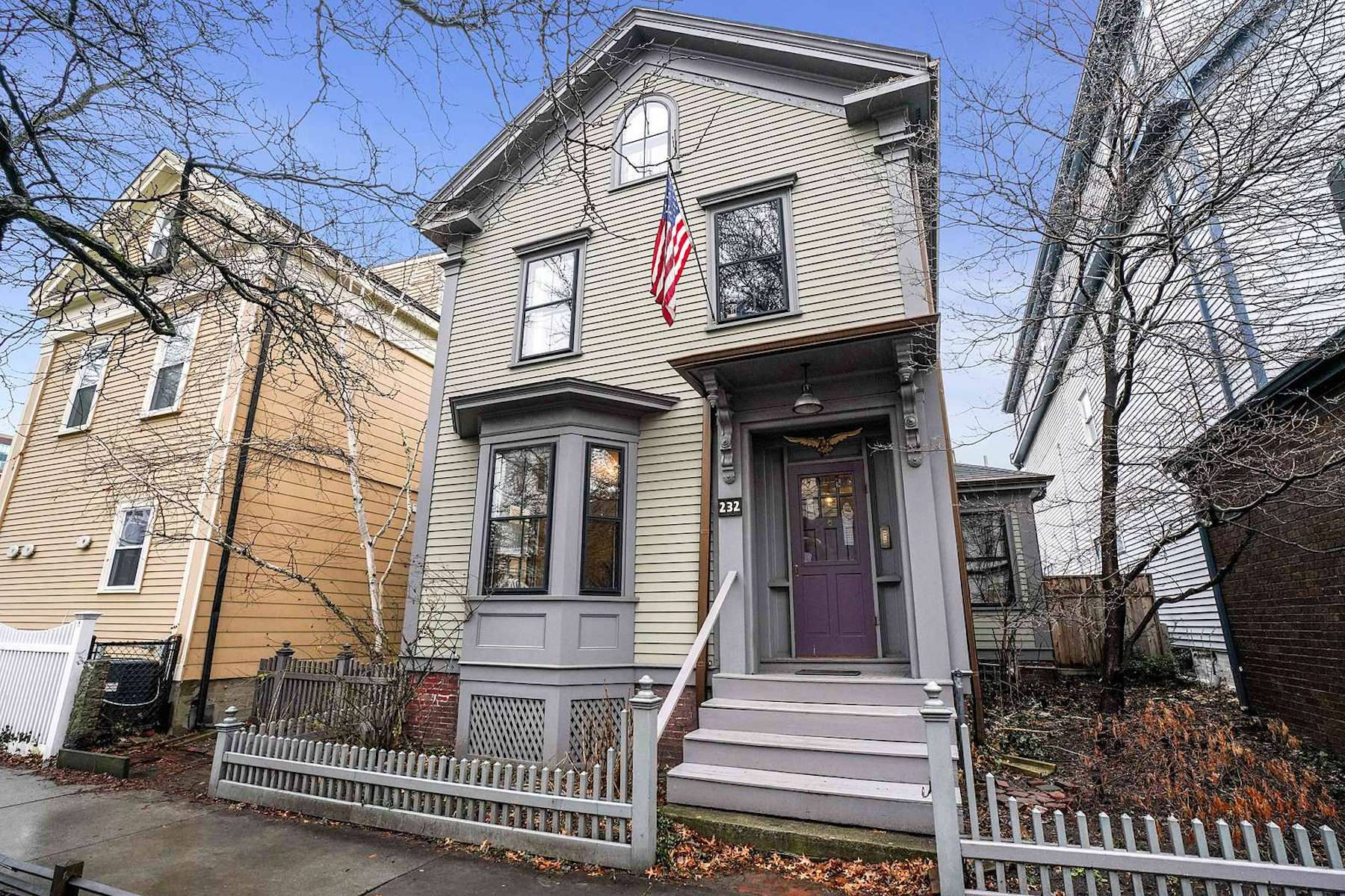 Single Family Homes por un Venta en 232 Broadway Cambridge, Massachusetts 02139 Estados Unidos