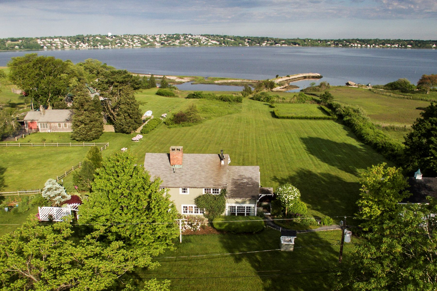 Single Family Home for Sale at Boater's Paradise - Sakonnet Waterfront 451 Seapowet Avenue Tiverton, Rhode Island 02878 United States