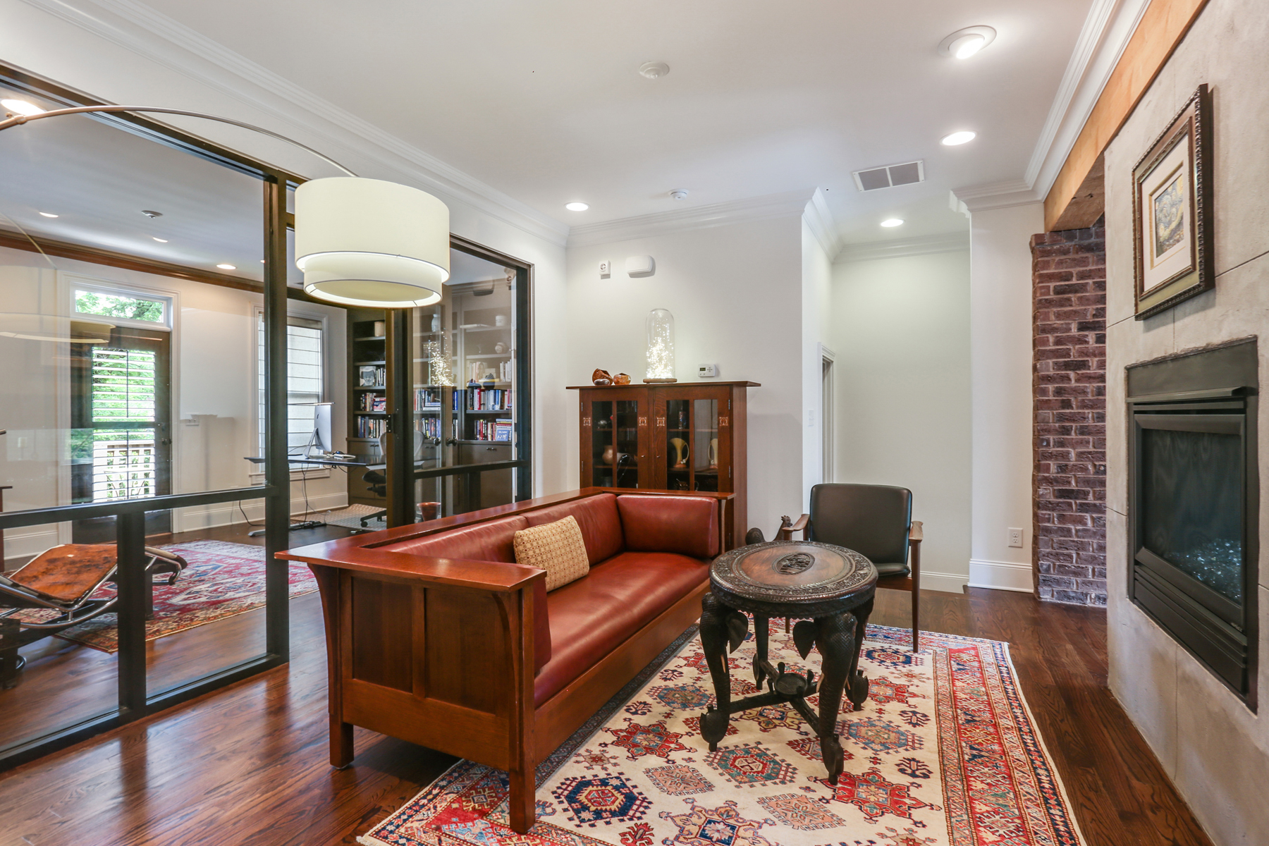 Additional photo for property listing at Exceptionally Rare Brownstone At Historic Roswell Two Units Combined 545 Canton Walk Roswell, Georgia 30075 United States