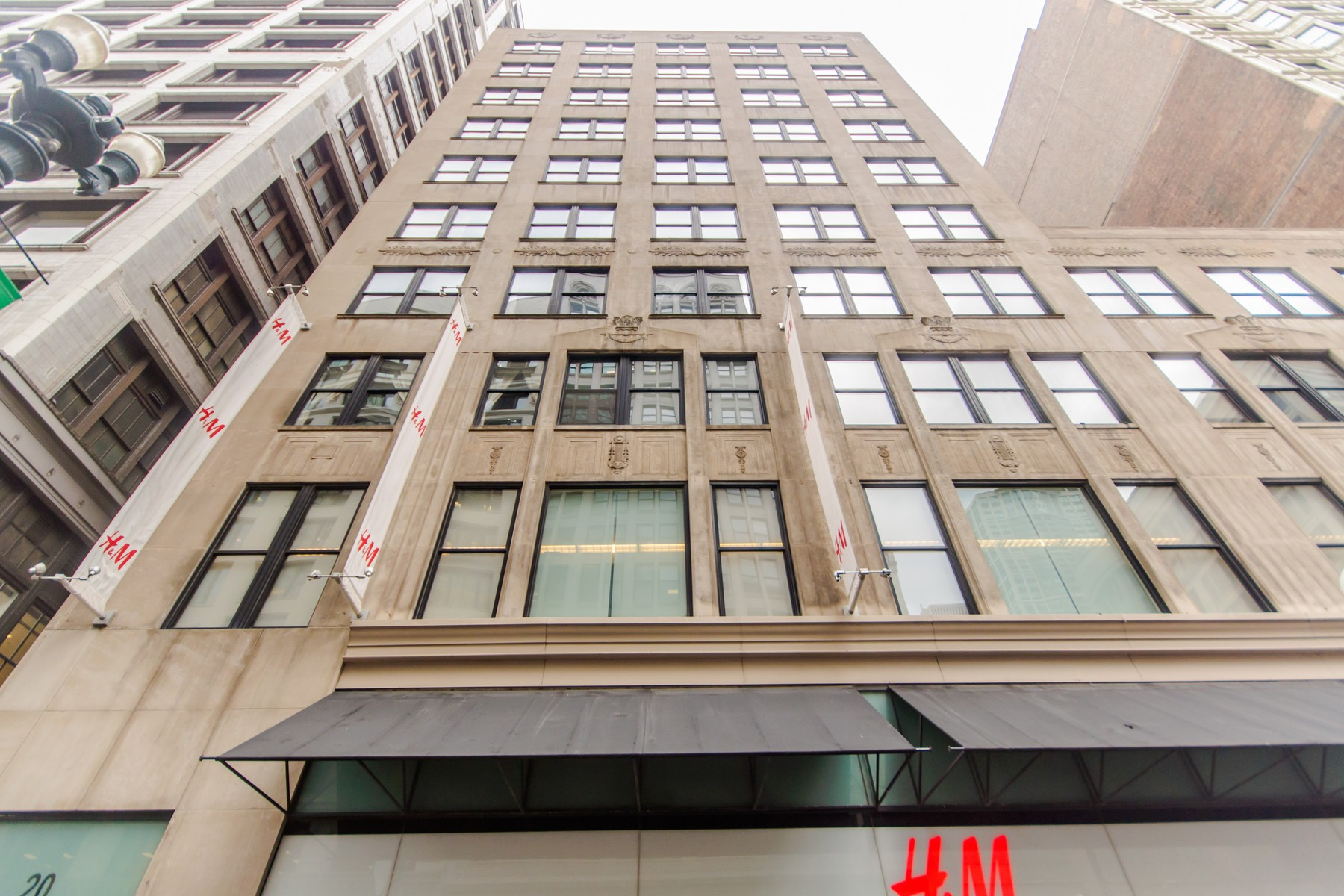 Condominium for Sale at A True Gem in the Heart of the Loop 20 North State Street, Unit 411 Loop, Chicago, Illinois, 60602 United States