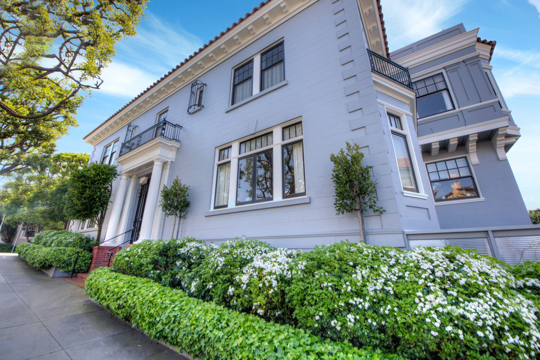 Single Family Home for Sale at Perfection in Presidio Heights 3903 Washington Street San Francisco, California, 94118 United States