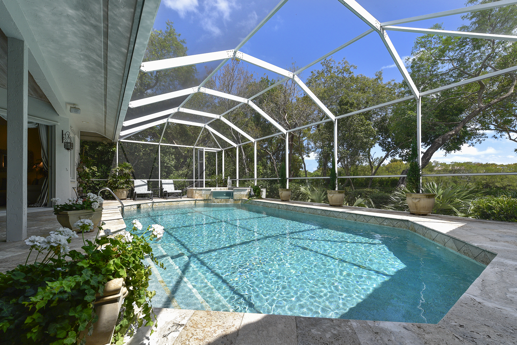 Additional photo for property listing at Golf and Lakefront View Home at Ocean Reef 18 Cinnamon Bark Lane Key Largo, Florida 33037 United States