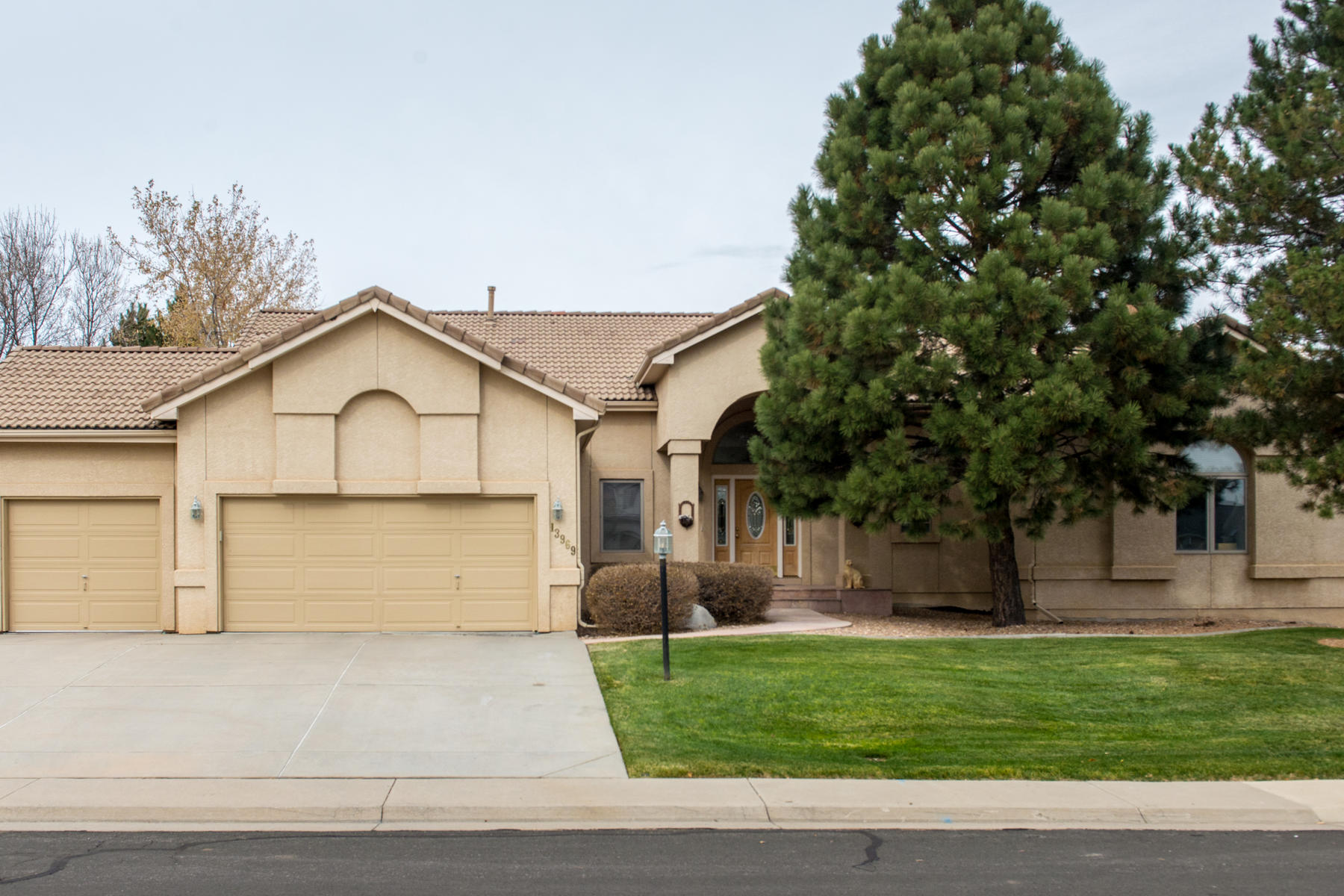 Single Family Home for Active at 13969 E Maplewood Pl 13969 E Maplewood Pl Centennial, Colorado 80111 United States