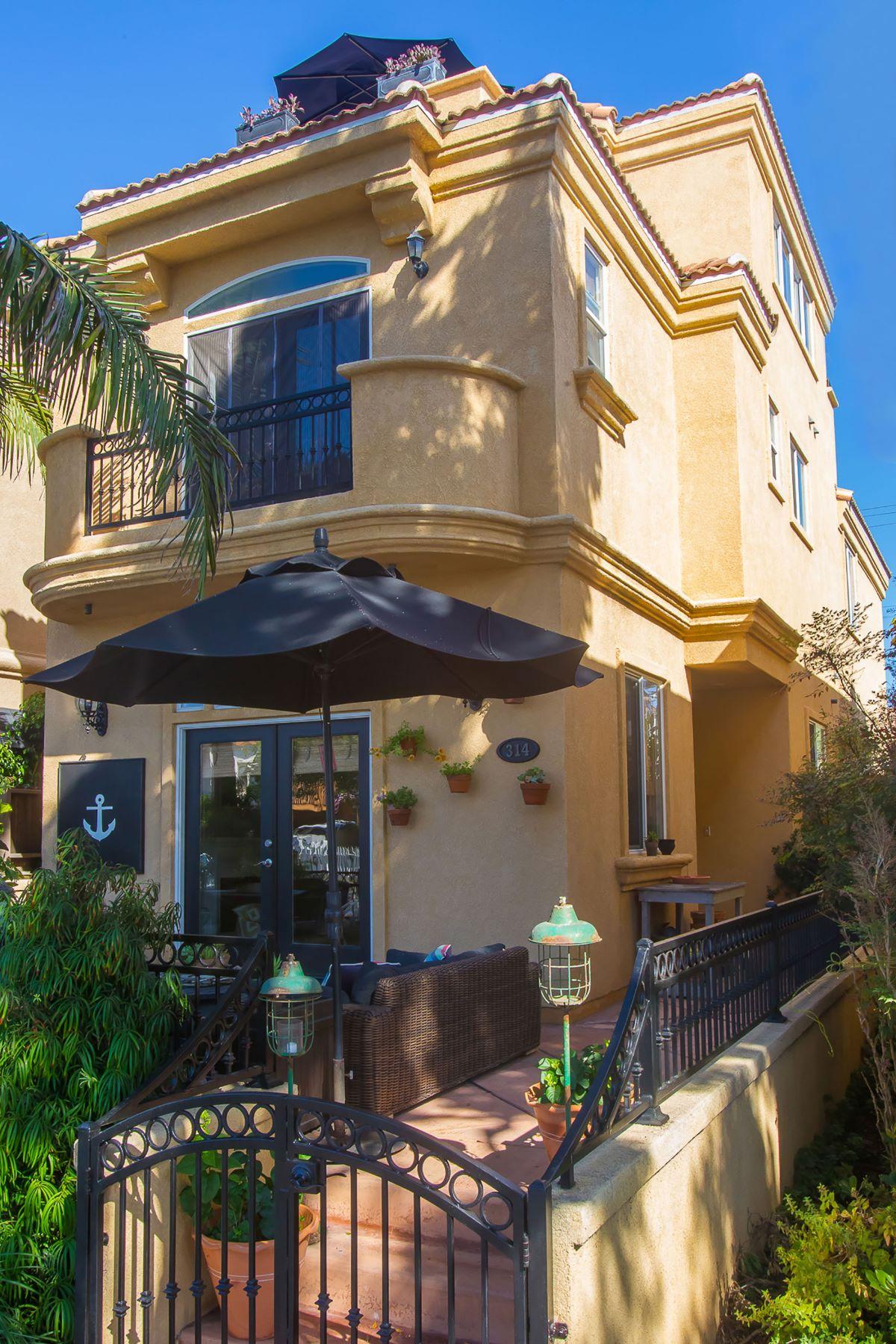 단독 가정 주택 용 매매 에 314 6th Street Huntington Beach, 캘리포니아, 92648 미국