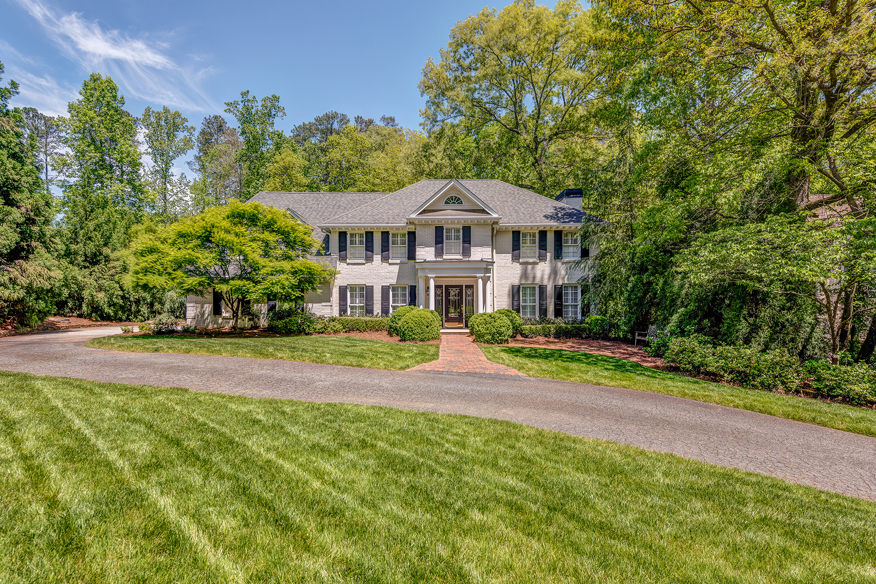 Single Family Home for Sale at Secluded Gem In Atlanta Country Club 625 Willow Knoll Drive SE Marietta, Georgia 30067 United States
