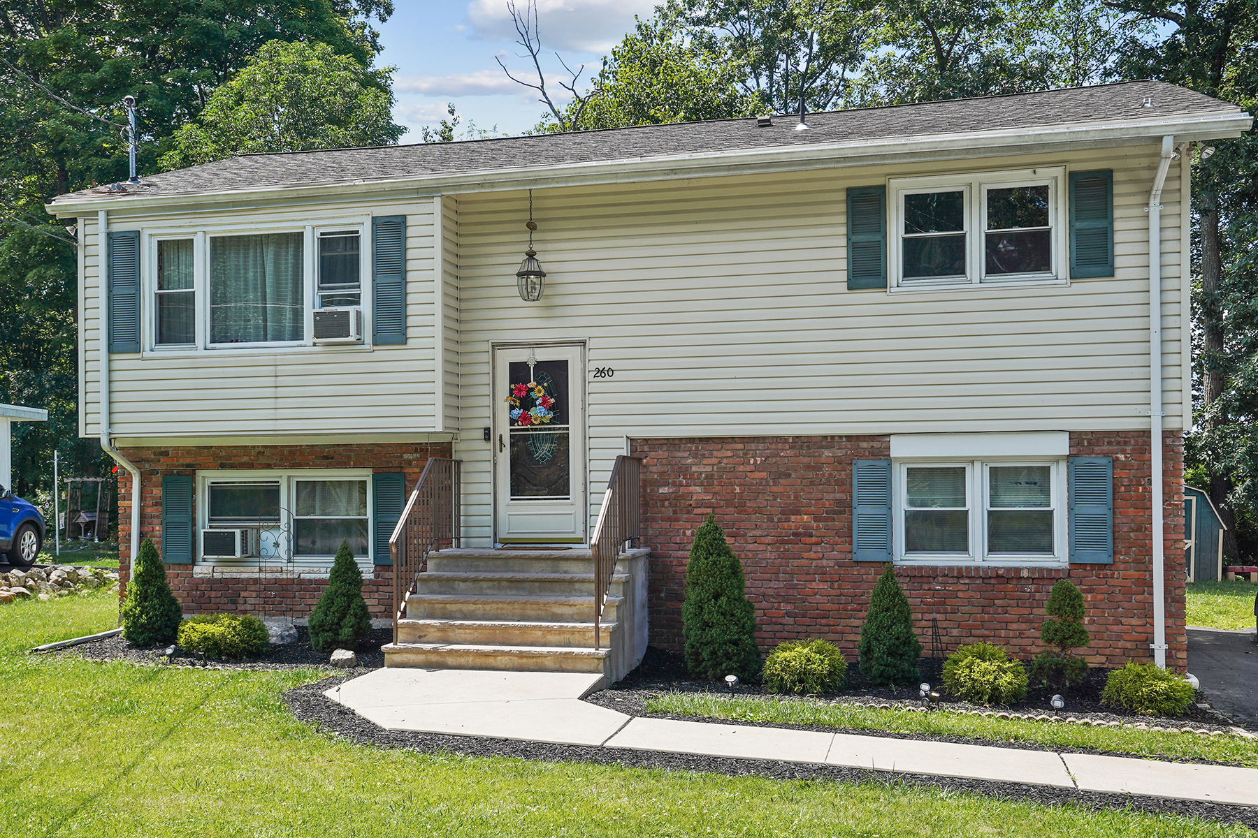 Single Family Homes for Active at Spacious Bi-Level 260 Dupont Avenue Hopatcong, New Jersey 07843 United States