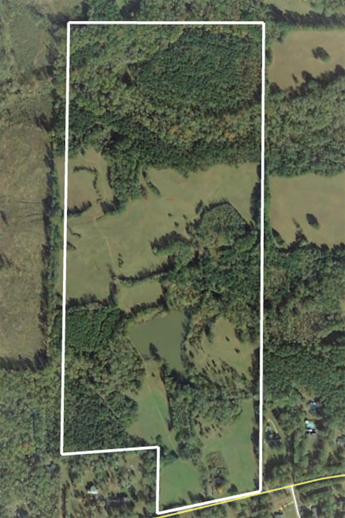 Ферма / ранчо / плантация для того Продажа на Beautiful, Private Property Is A Rare Find Land Tract In Henry County 1503 Hampton Locust Grove Road, Locust Grove, Джорджия 30248 Соединенные Штаты