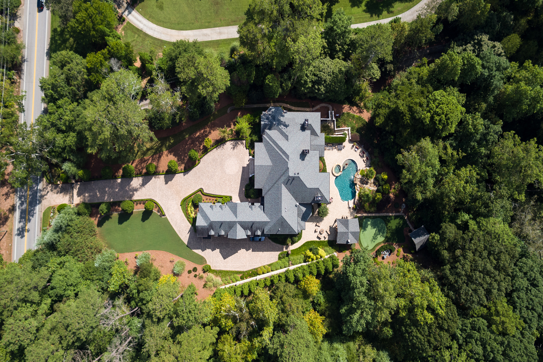 Single Family Homes للـ Sale في Luxurious, Sophisticated, Elegant Gated Estate On 2.5+/- Acres 4870 Northside Drive, Atlanta, Georgia 30327 United States
