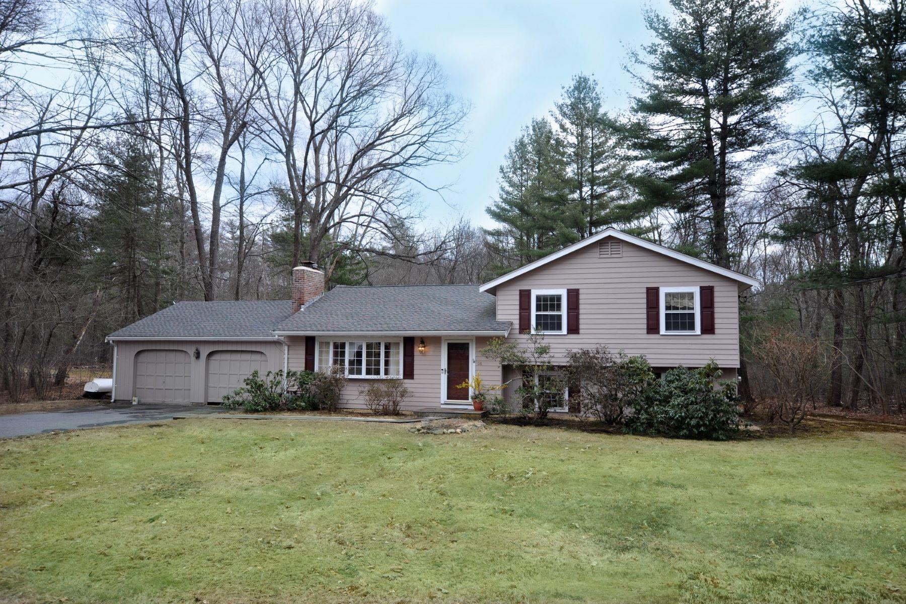 Single Family Homes 为 销售 在 36 Agawam Rd 阿克顿, 马萨诸塞州 01720 美国
