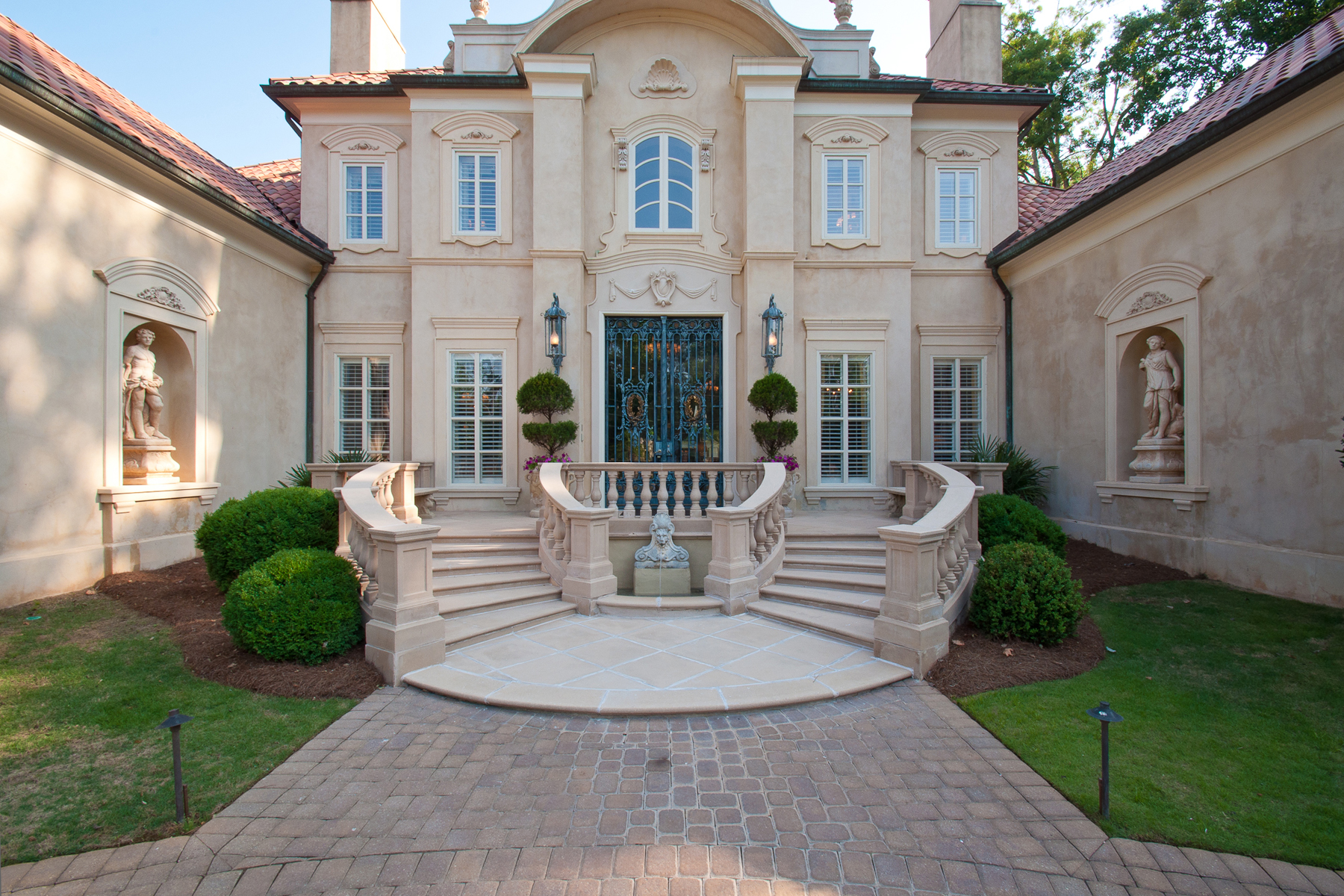 独户住宅 为 销售 在 Magnificent Mediterranean Estate 4670 Northside Drive North Buckhead, 亚特兰大, 乔治亚州, 30327 美国