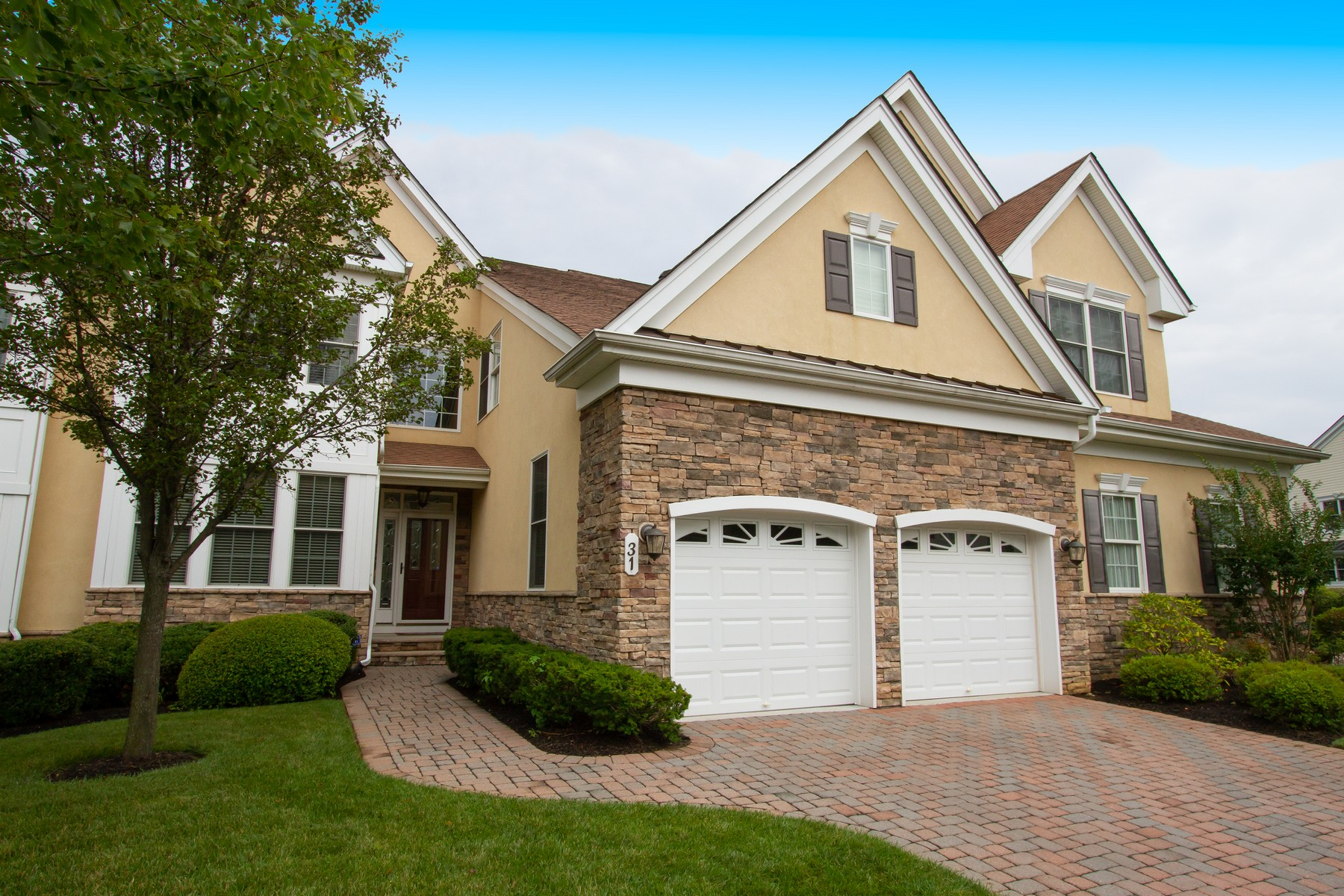 townhouses للـ Sale في Greenbriar Falls 31 Majestic Dr, Tinton Falls, New Jersey 07724 United States