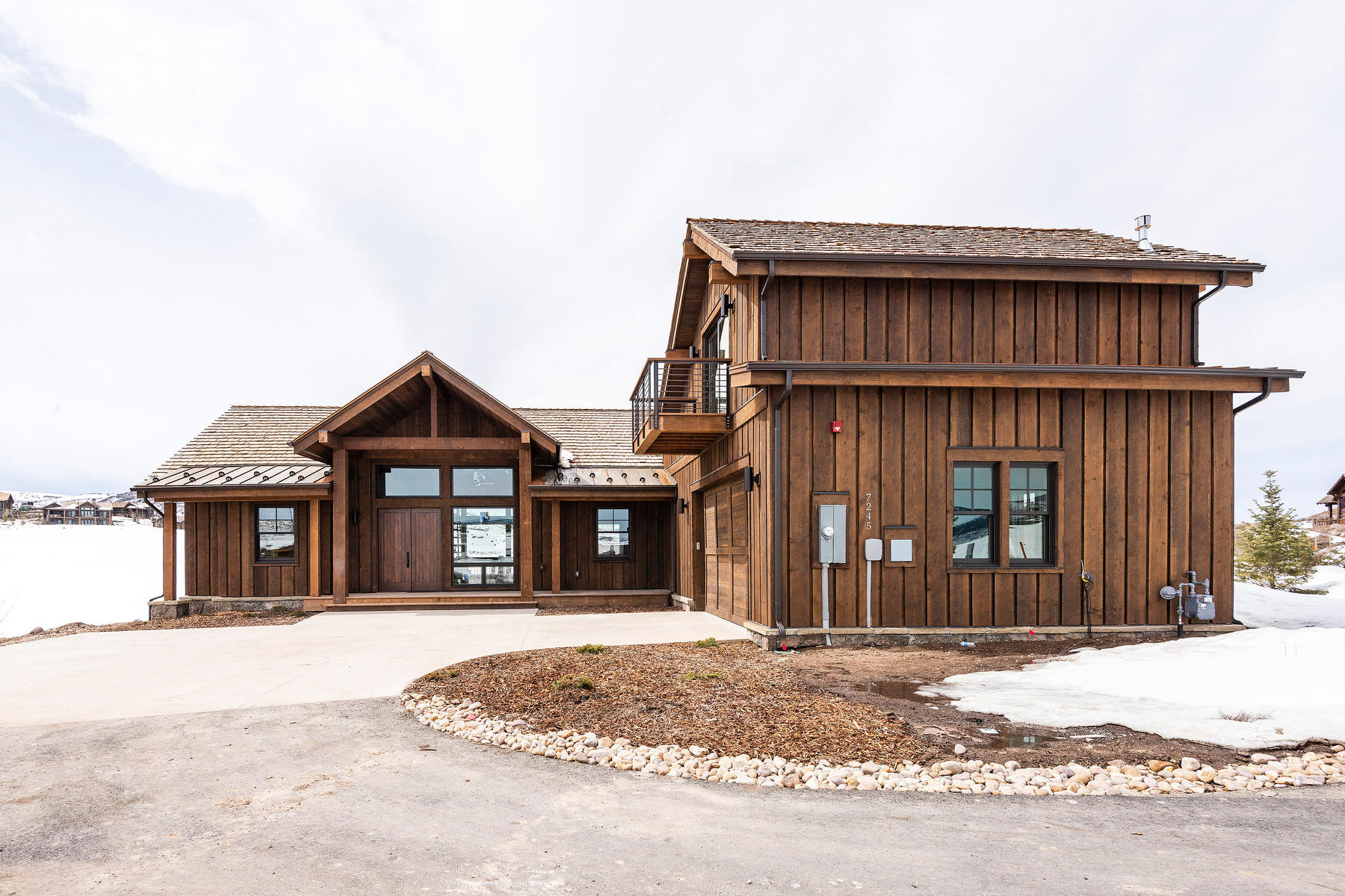 Single Family Homes for Sale at Expanded Juniper Cabin with Spectacular Views! 5956 N High Plains Ct Lot 382 Heber City, Utah 84032 United States