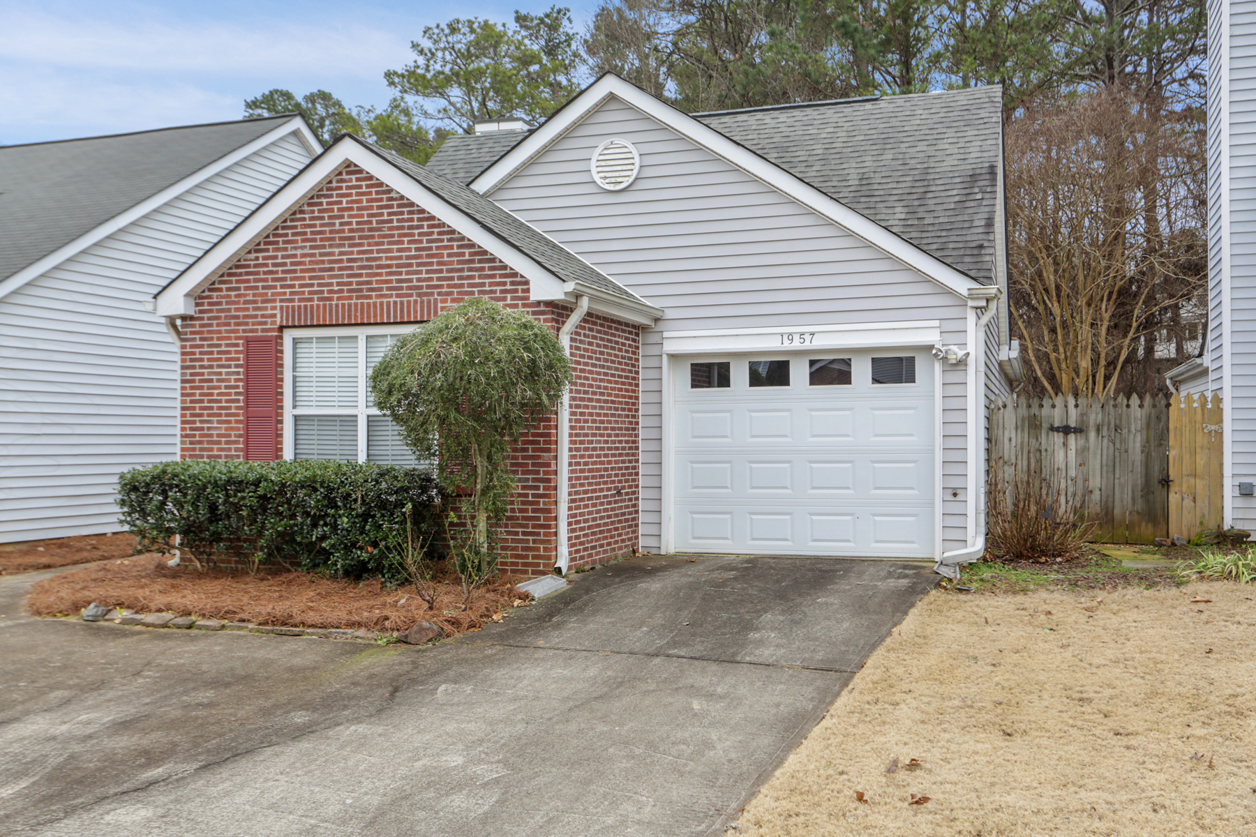 Single Family Home for Sale at Owner Suite On Main 1957 Brittania Circle Woodstock, Georgia 30188 United States