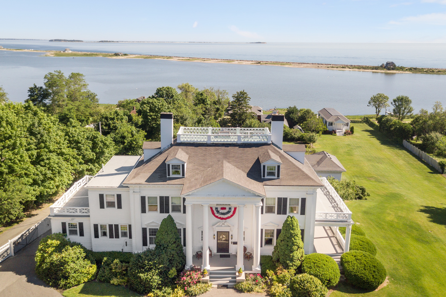 Additional photo for property listing at 72 Warren Avenue  Plymouth, Massachusetts 02360 United States